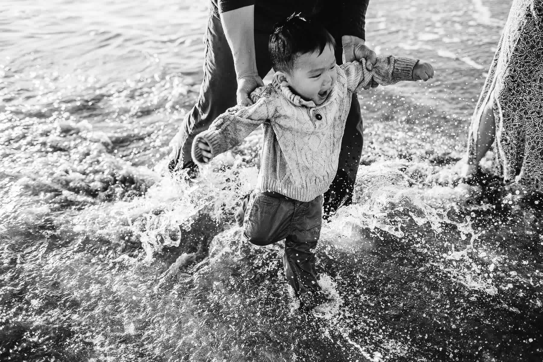 Half-moon-bay-beachy-sunset-lifestyle-family-session-16