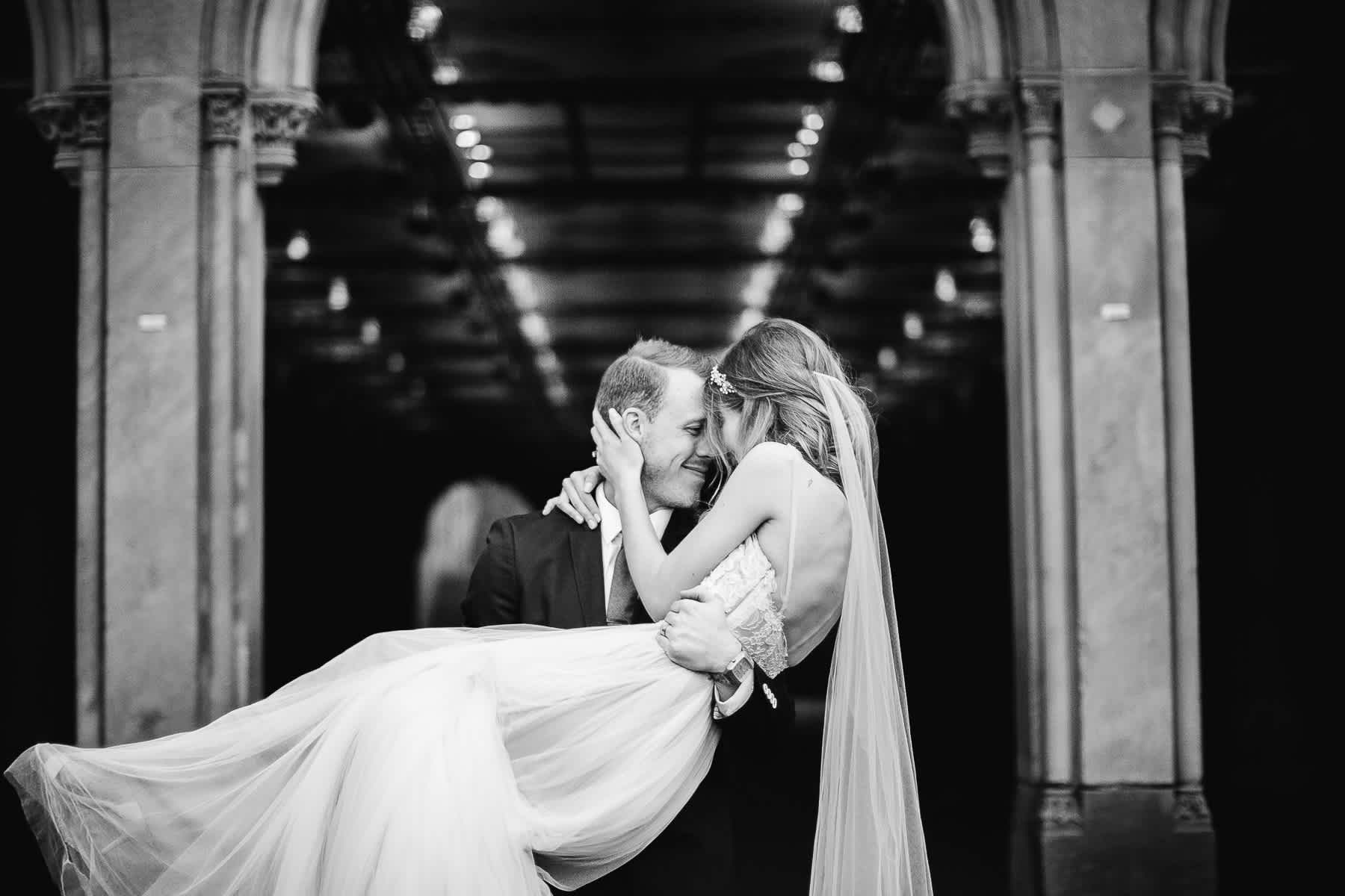 nyc-bhldn-stylized-brooklyn-bridge-elopement-80