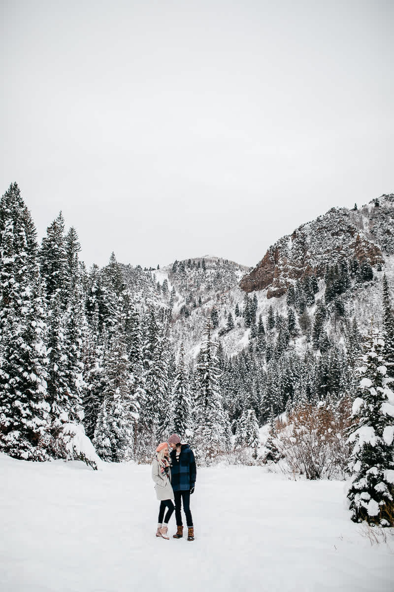 salt-lake-city-big-cottonwood-canyon-couple-session-31
