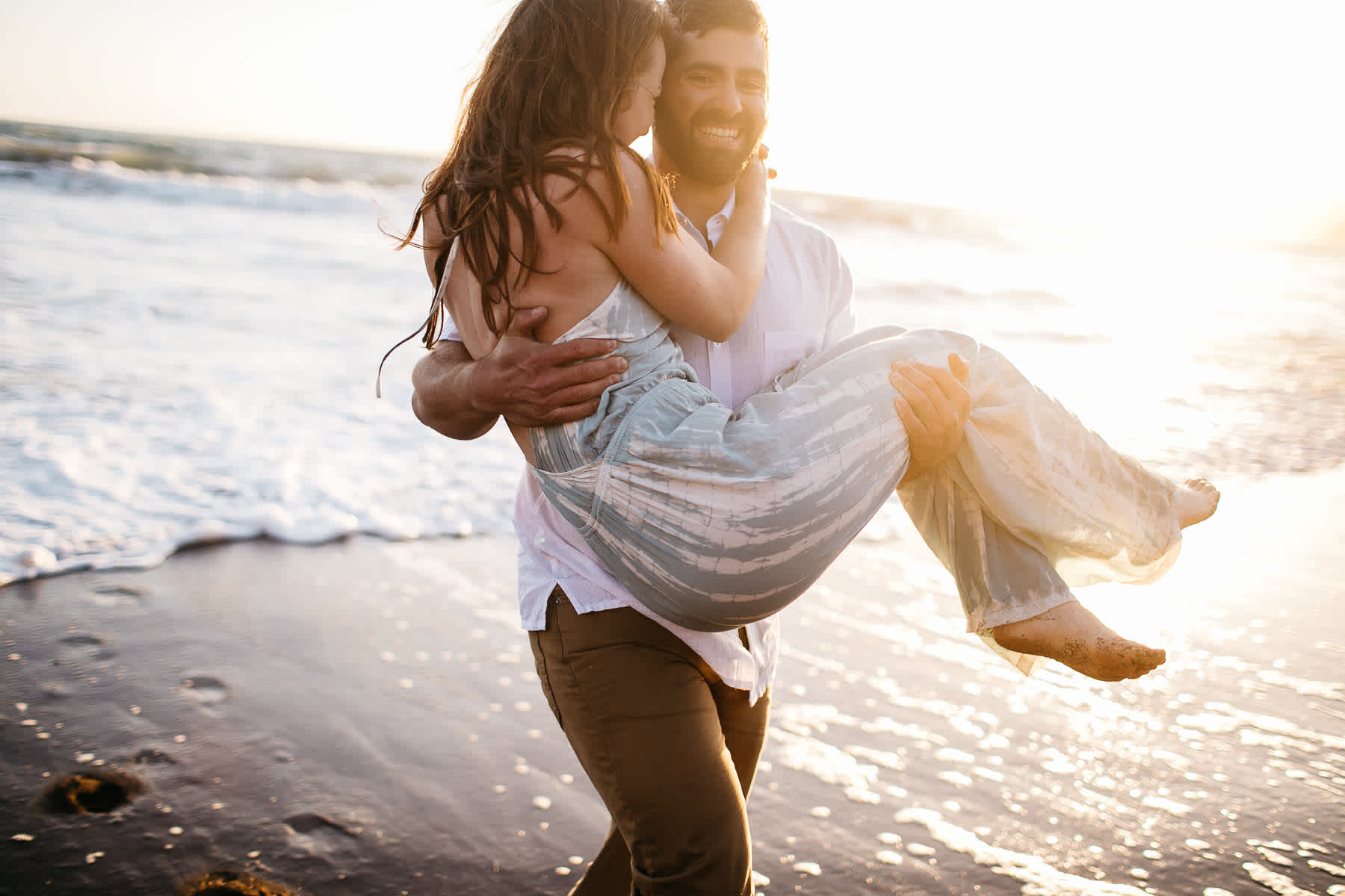 marin-headlands-rodeo-beach-lifestyle-laughter-engagement-session-43