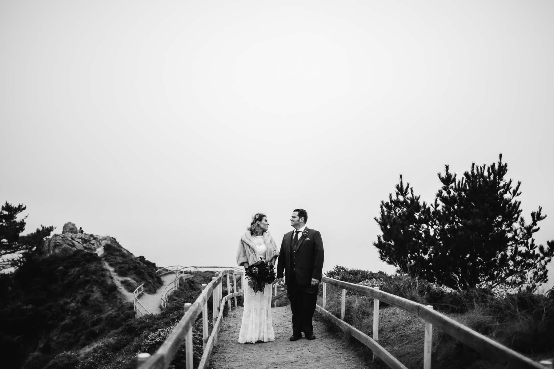 muir-beach-pelican-inn-foggy-wedding-98
