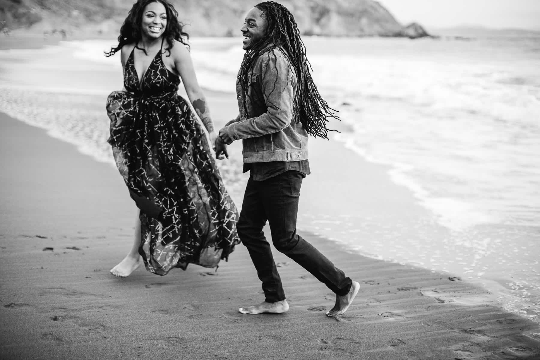 muir-beach-ca-spring-lifestyle-engagement-session-31