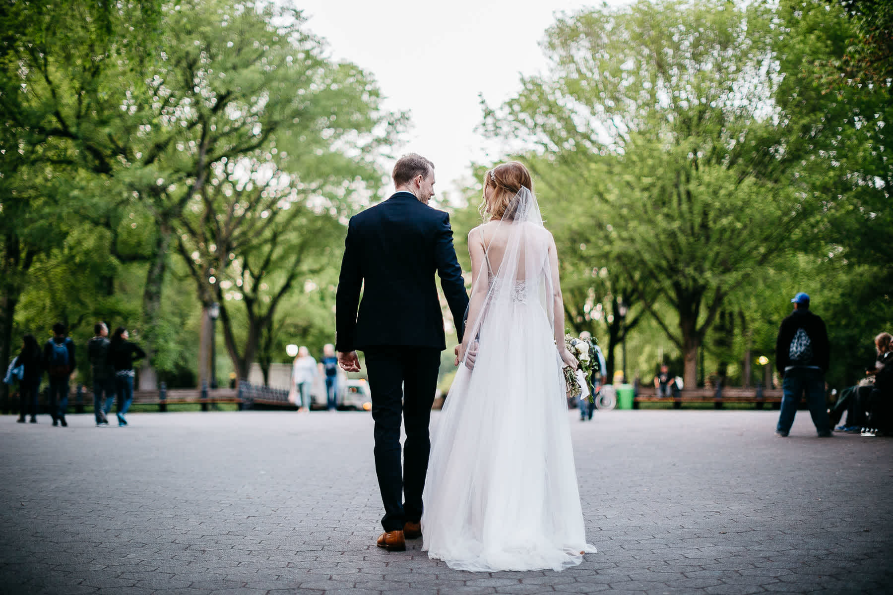 nyc-bhldn-stylized-brooklyn-bridge-elopement-70