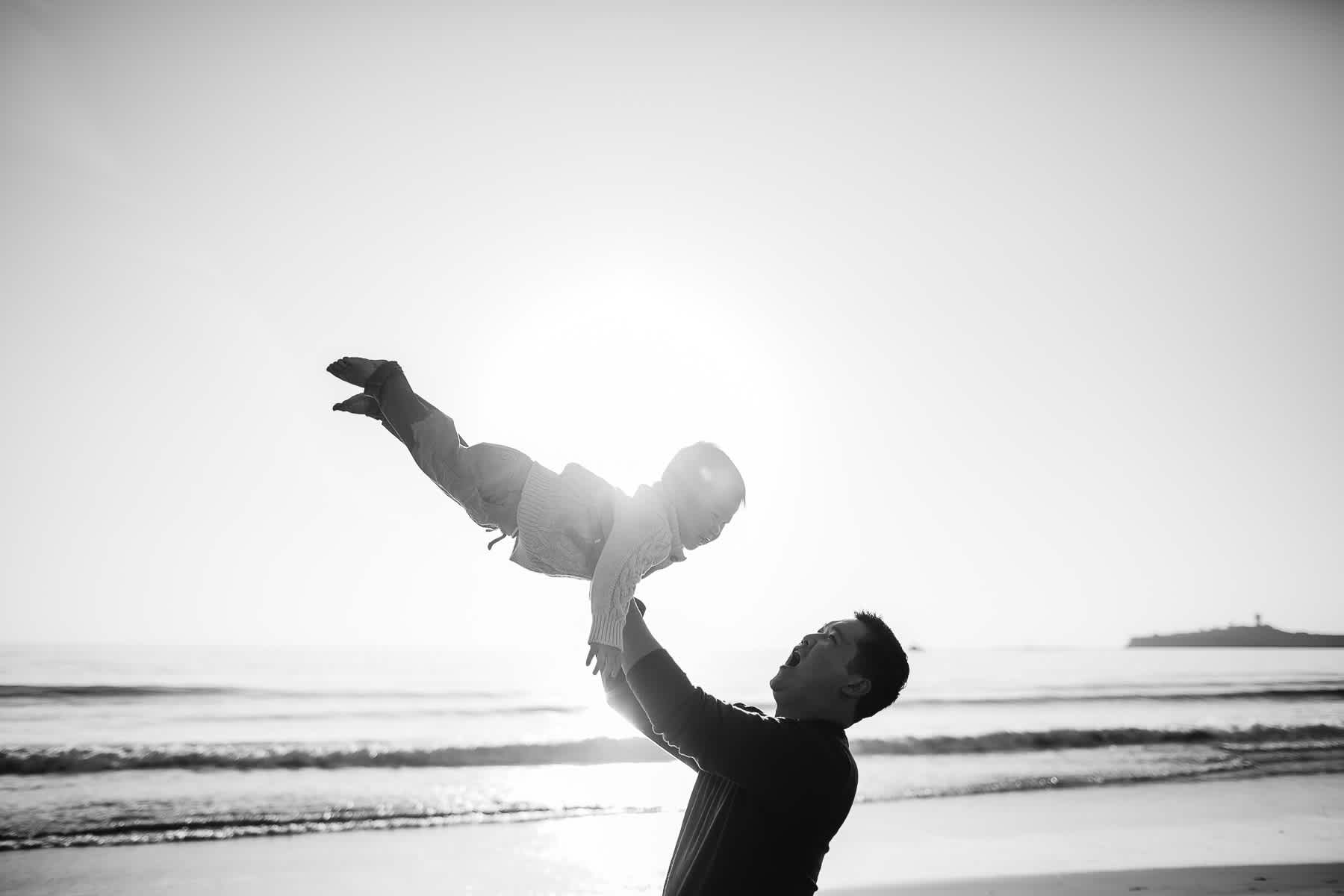 Half-moon-bay-beachy-sunset-lifestyle-family-session-7