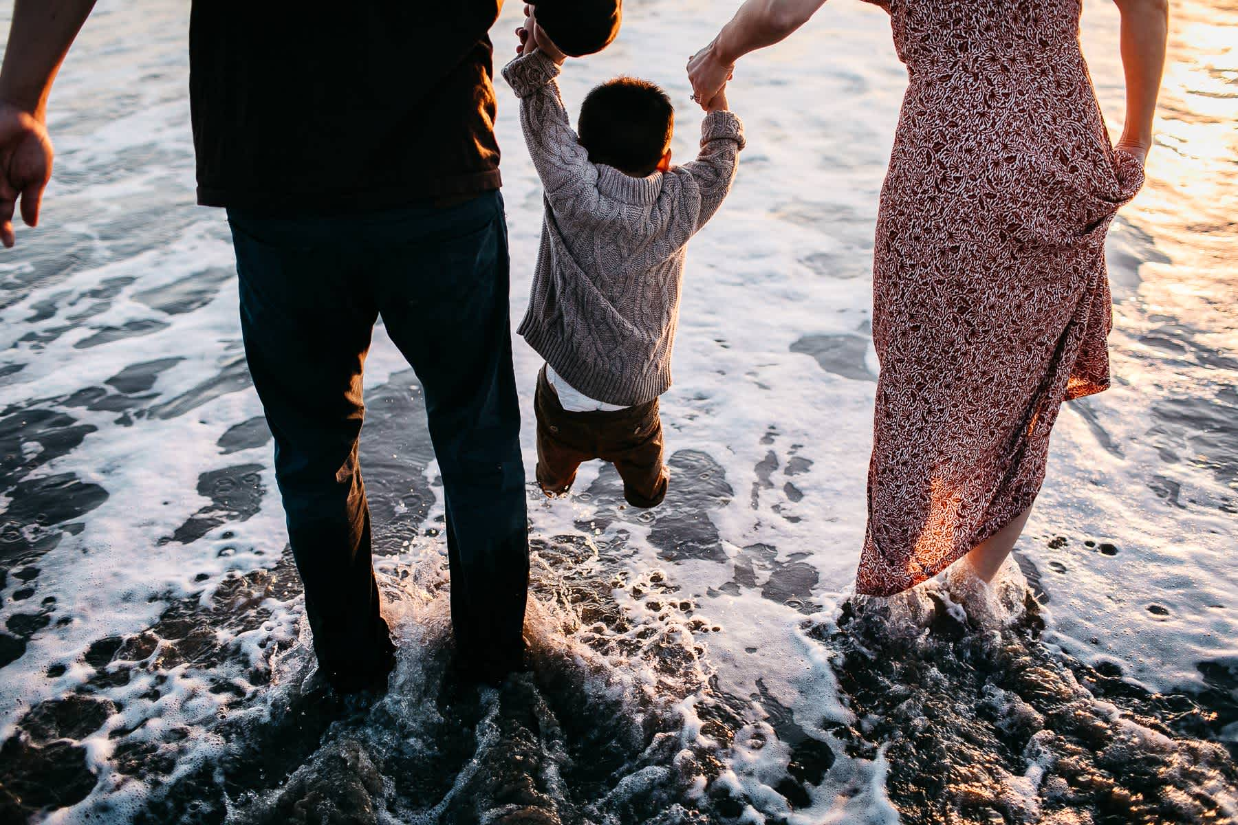 Half-moon-bay-beachy-sunset-lifestyle-family-session-34