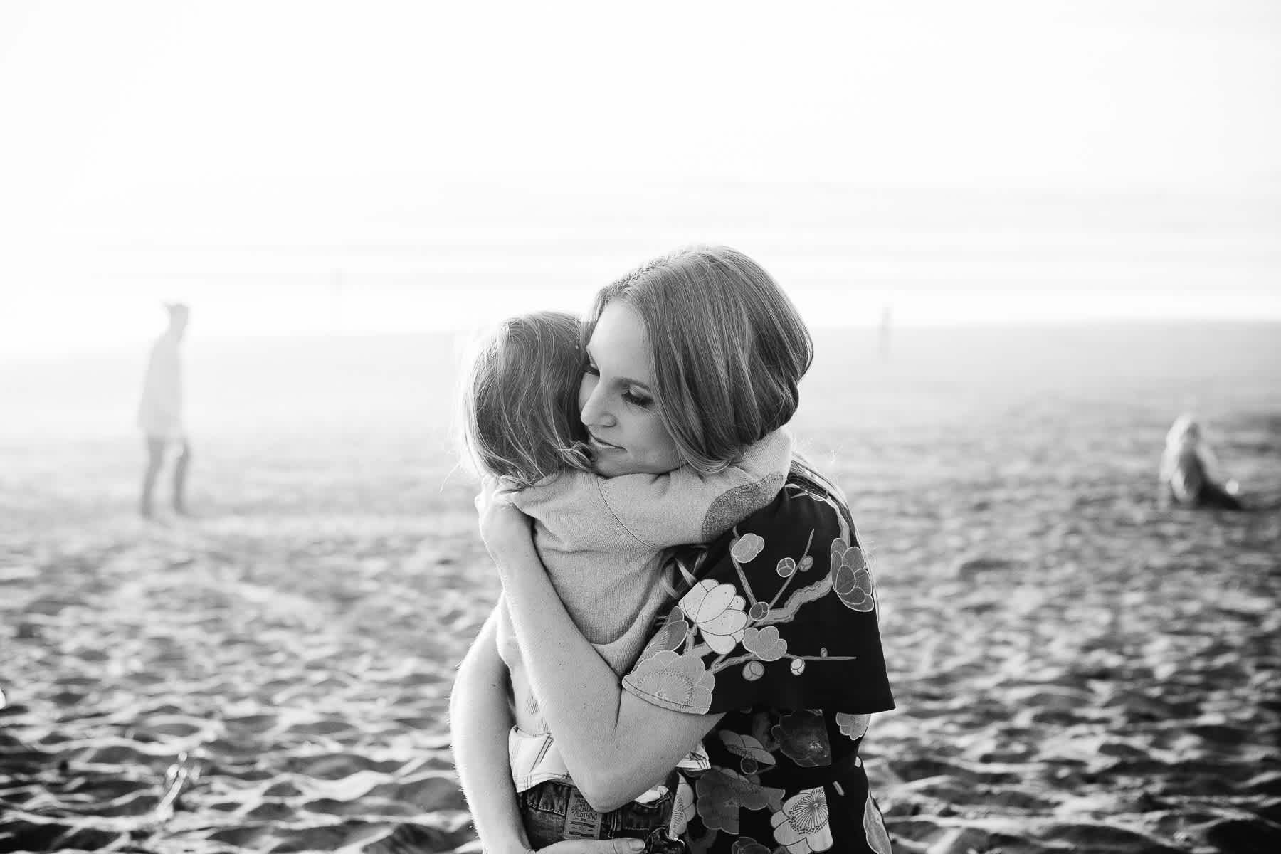hugging-beach-ocean-beach-sf