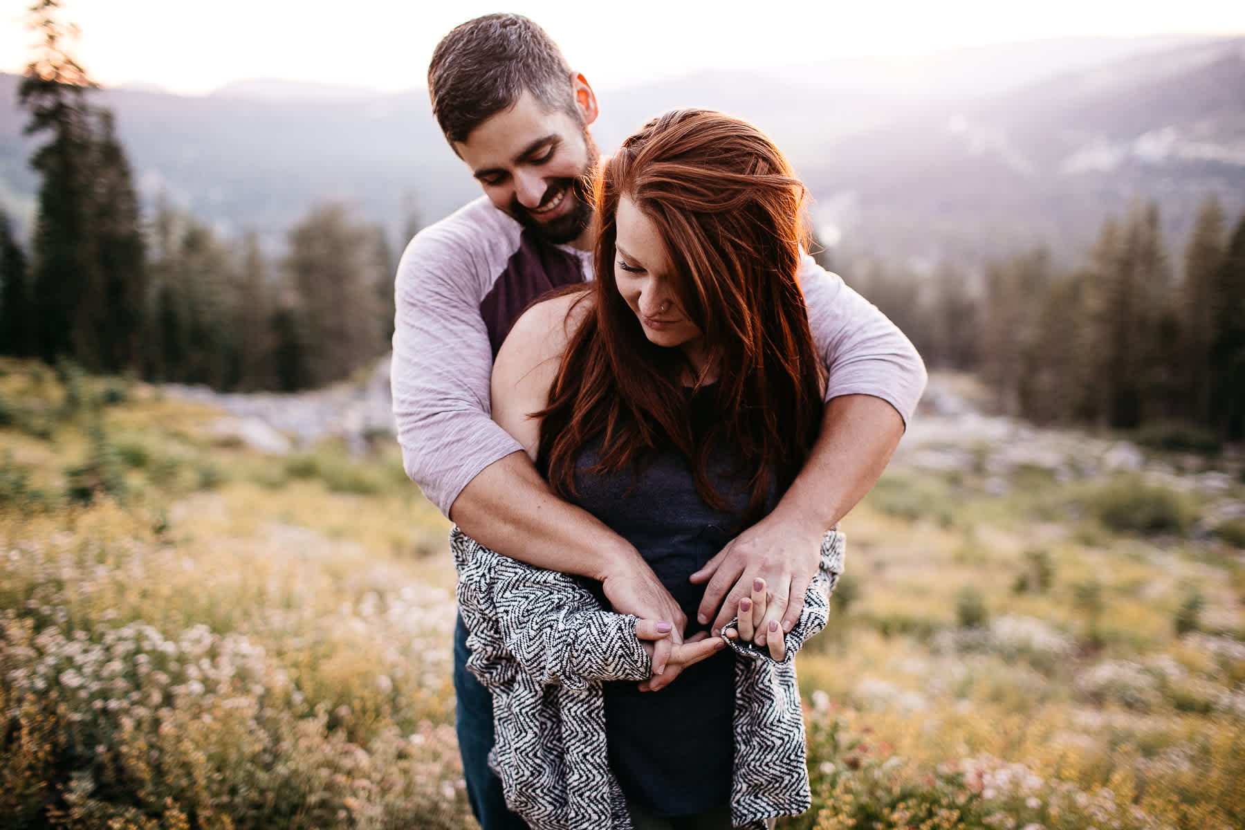 lake-tahoe-forest-donner-sunset-couple-session-24
