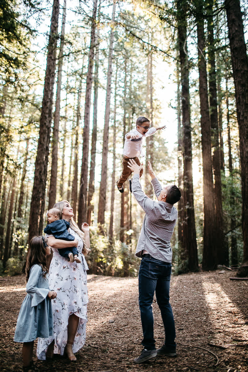 oakland-redwoods-morning-light-joaquin-miller-park-lifestyle-session-24