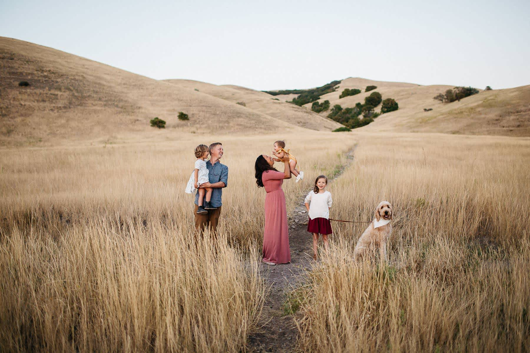 salt-lake-city-family-lifestyle-phtpographer-golden-field-48