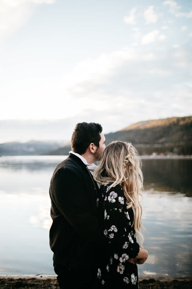 donner-lake-tahoe-national-forest-fall-engagement-session-25