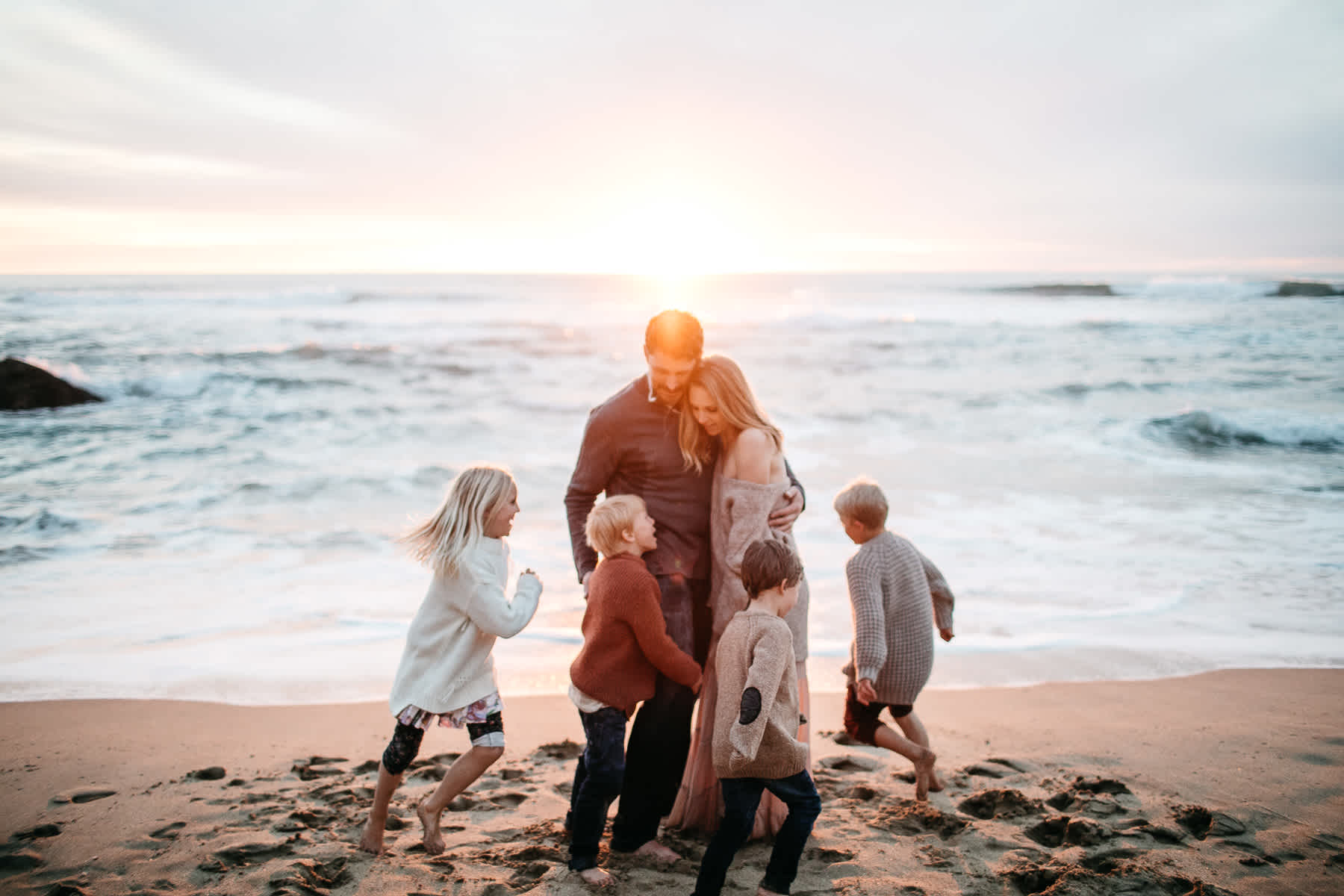 half-moon-bay-ca-sunset-family-lifestyle-session-golden-light-47