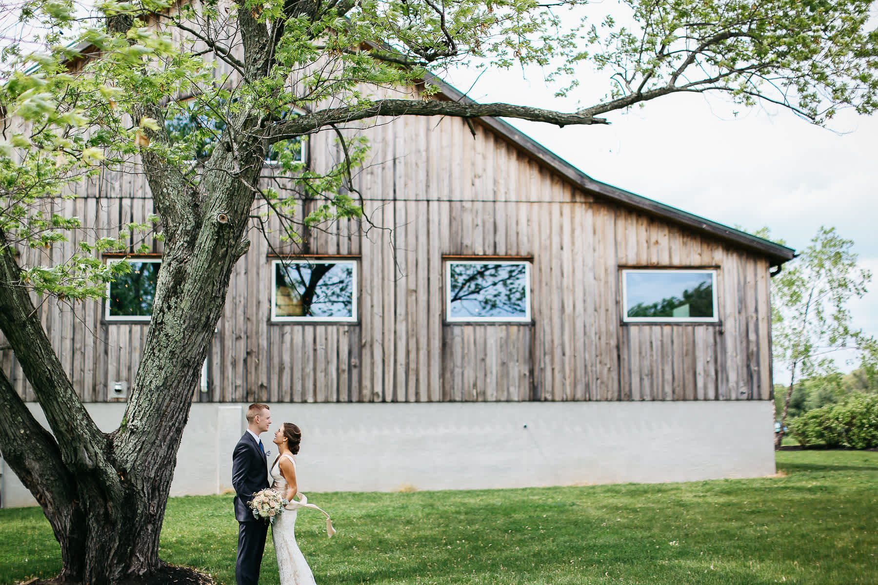 Pennsylvania-Newton-Rosebank-winery-spring-lifestyle-wedding-43