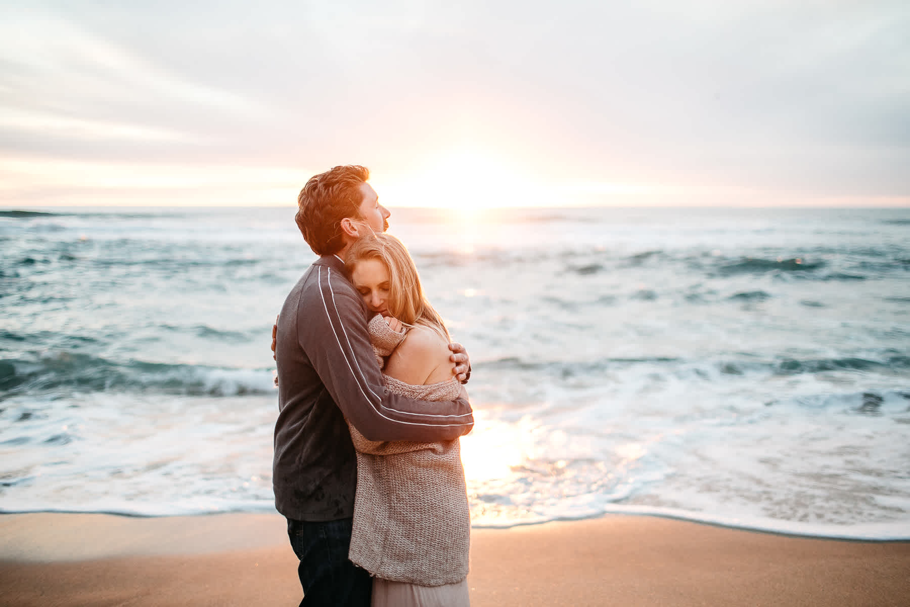 half-moon-bay-ca-sunset-family-lifestyle-session-golden-light-44