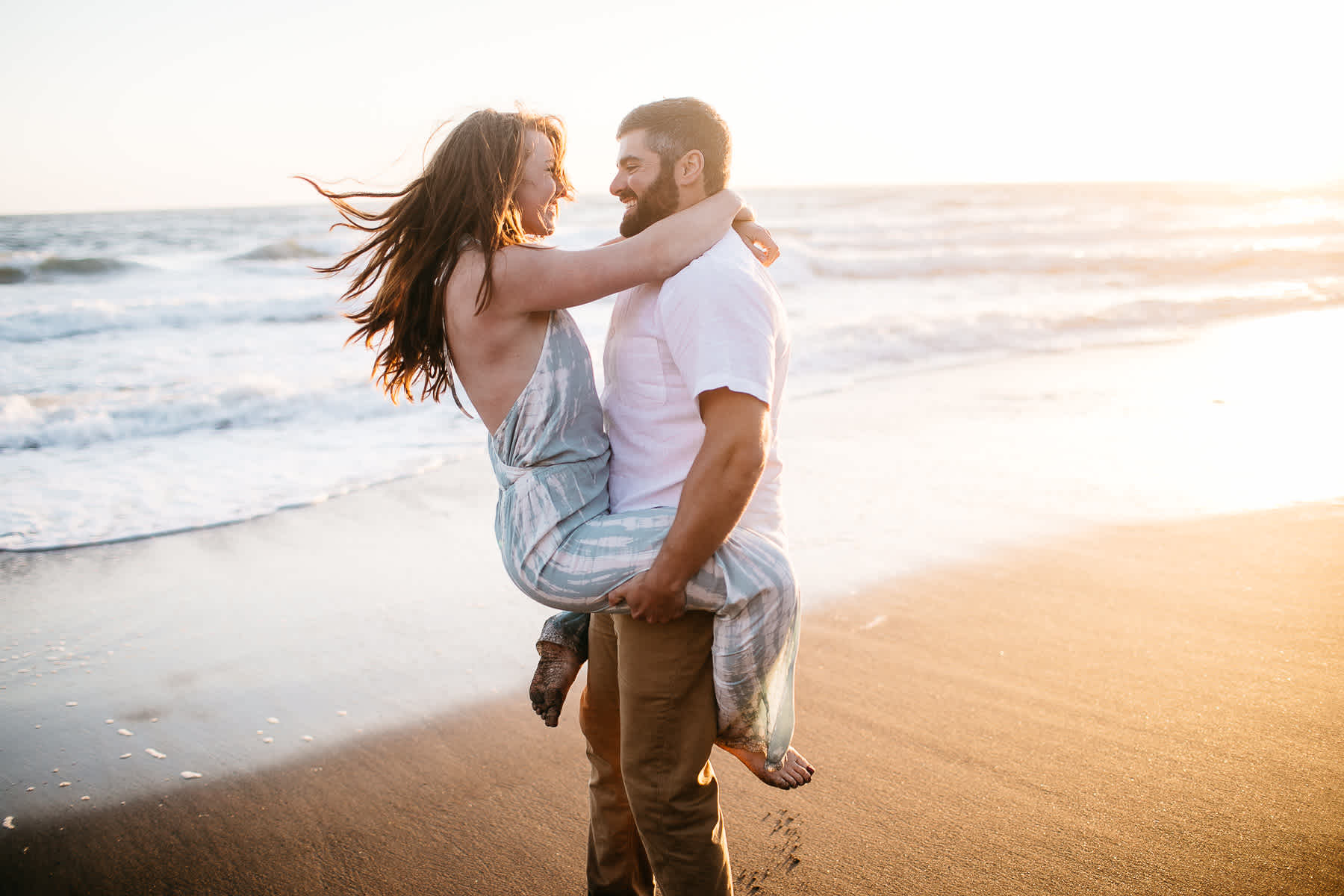 marin-headlands-rodeo-beach-lifestyle-laughter-engagement-session-54