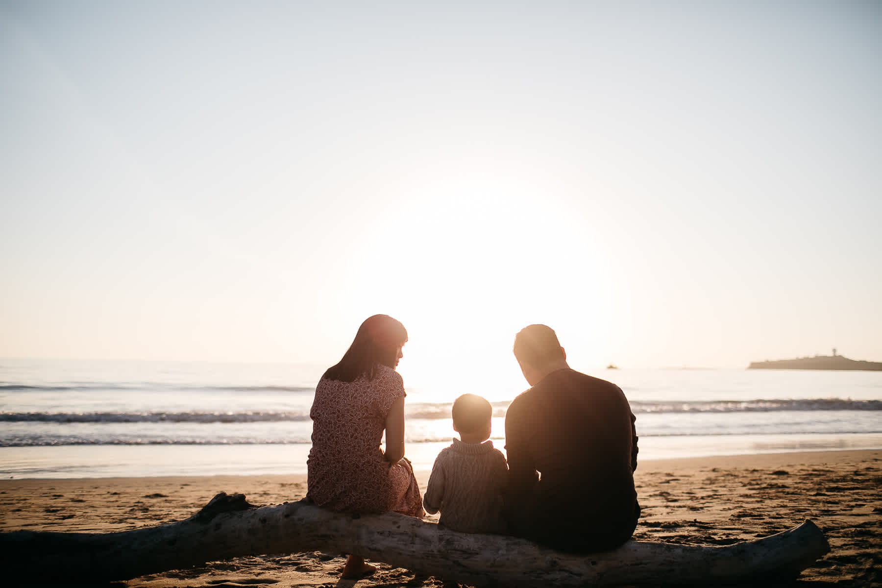 Half-moon-bay-beachy-sunset-lifestyle-family-session-24
