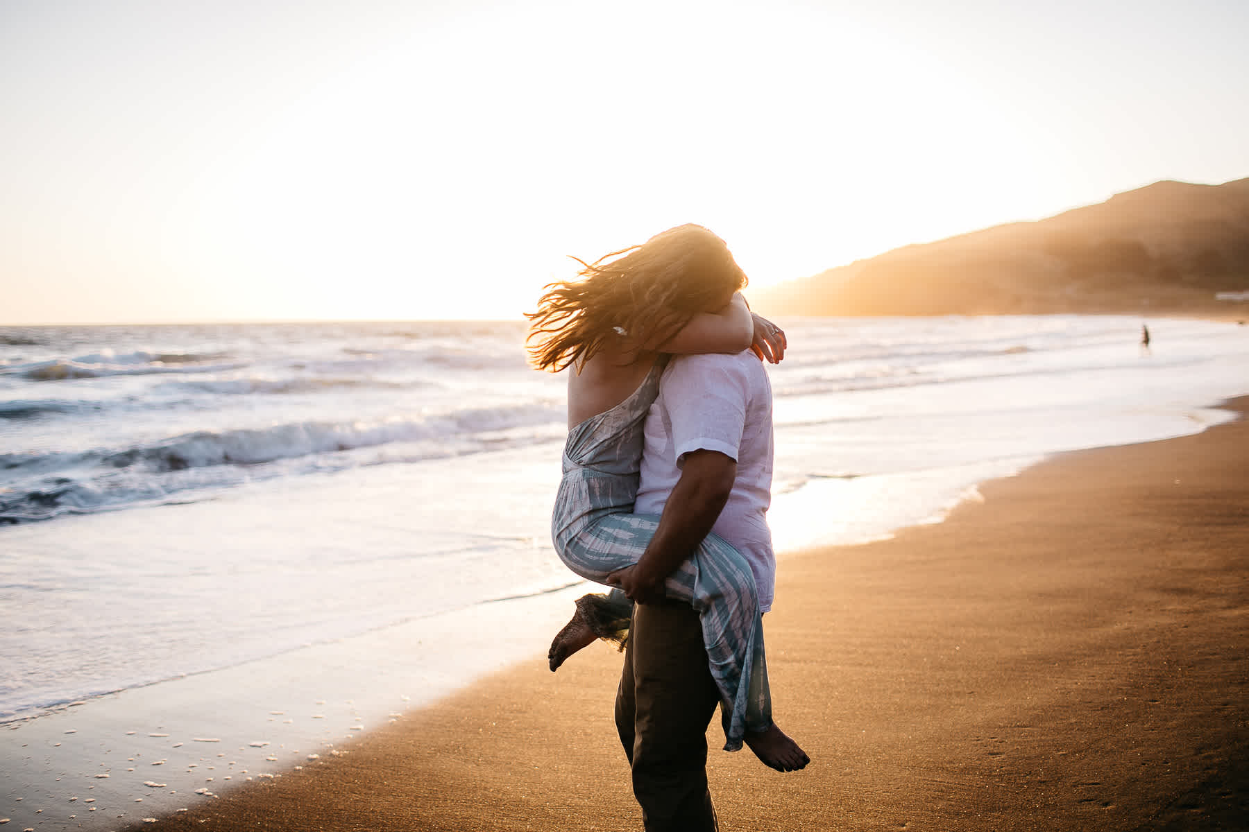 marin-headlands-rodeo-beach-lifestyle-laughter-engagement-session-53