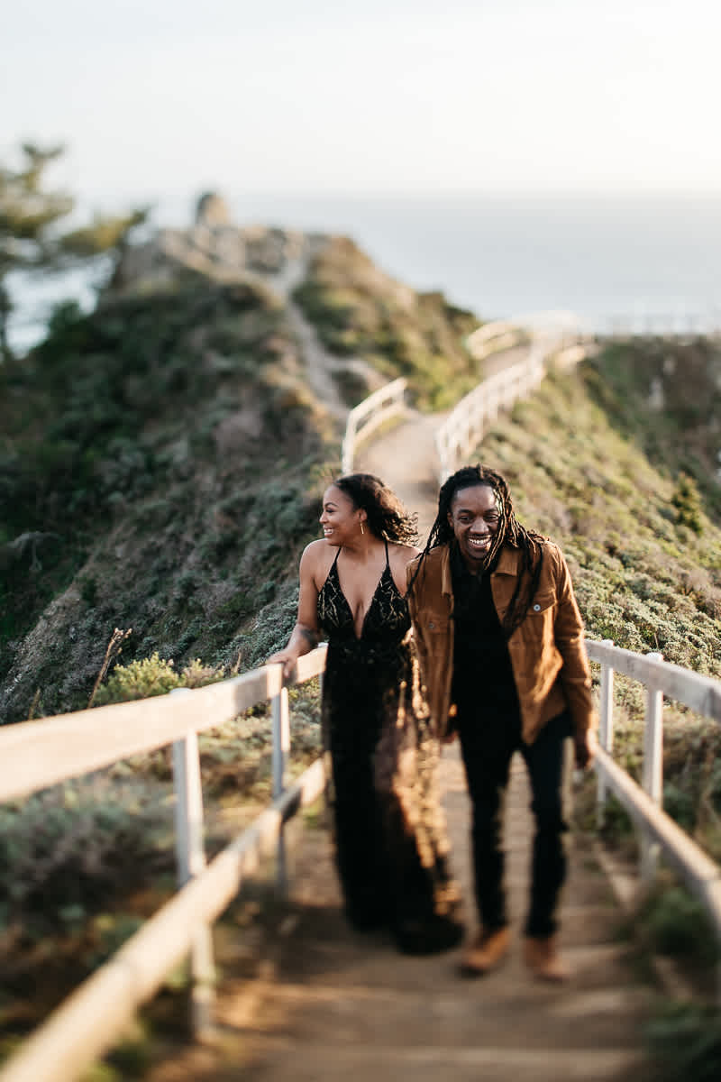 muir-beach-ca-spring-lifestyle-engagement-session-19