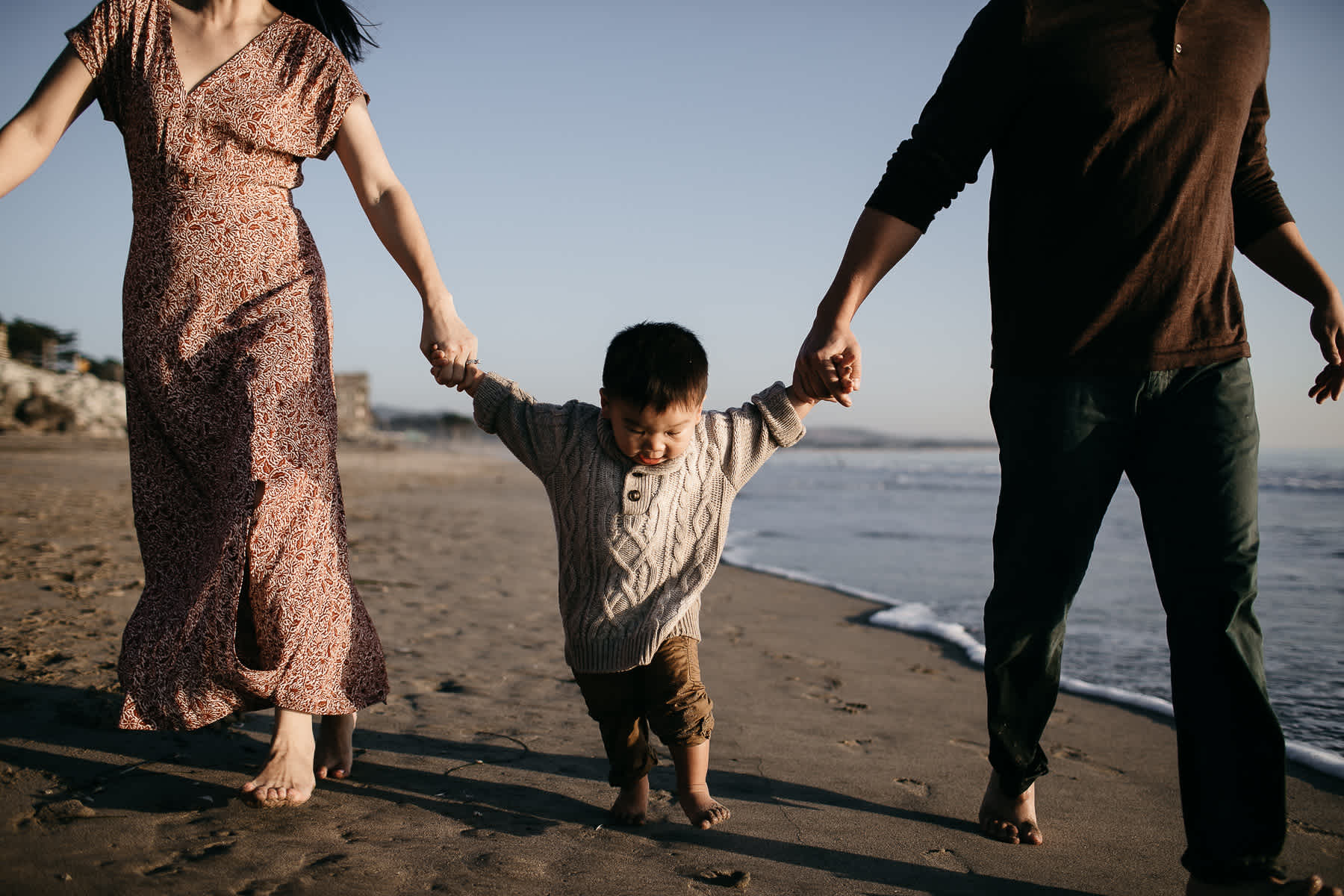 Half-moon-bay-beachy-sunset-lifestyle-family-session-23