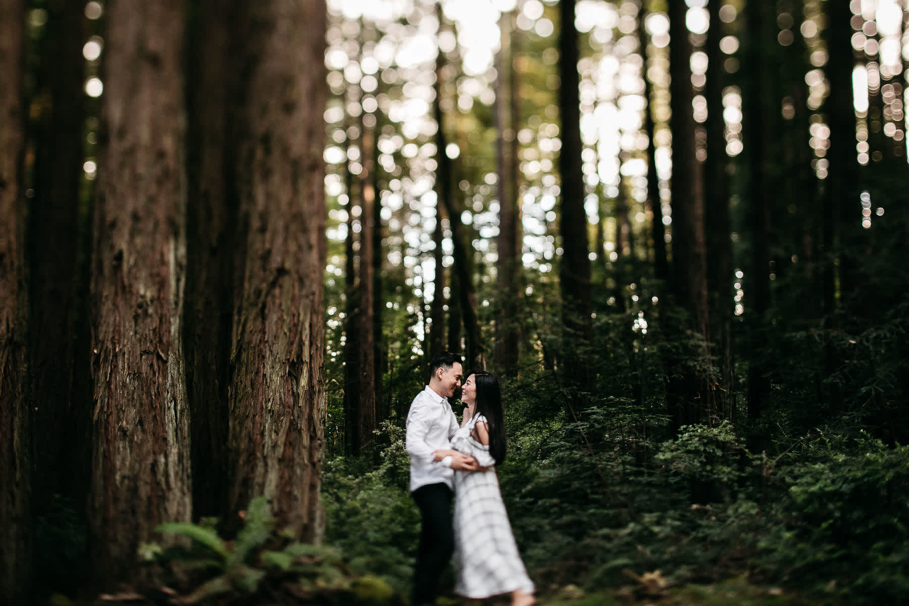 stinson-beach-muir-woods-sf-fun-quirky-engagement-session-10
