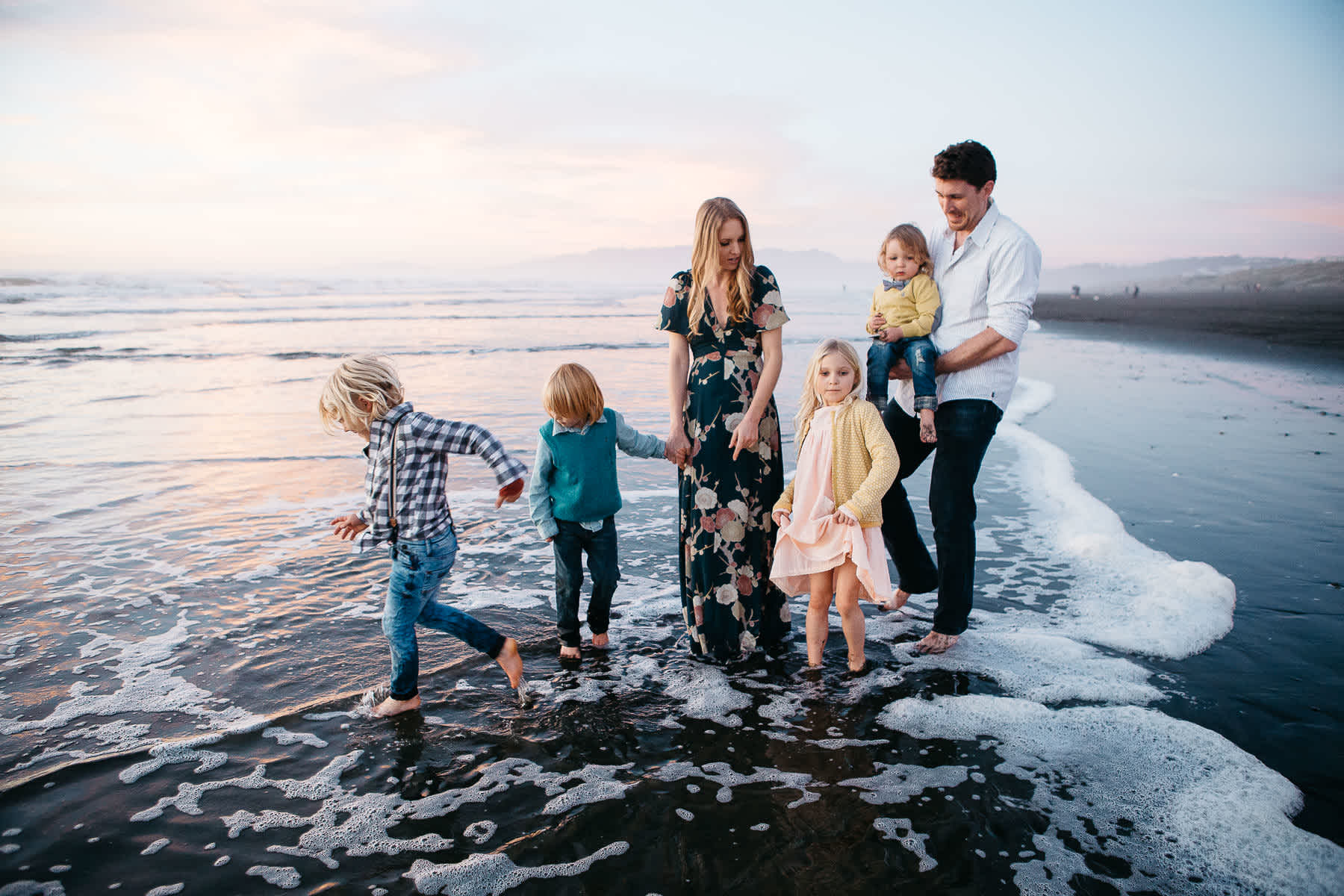 ocean-beach-lifestyle-family-photographer-sunset