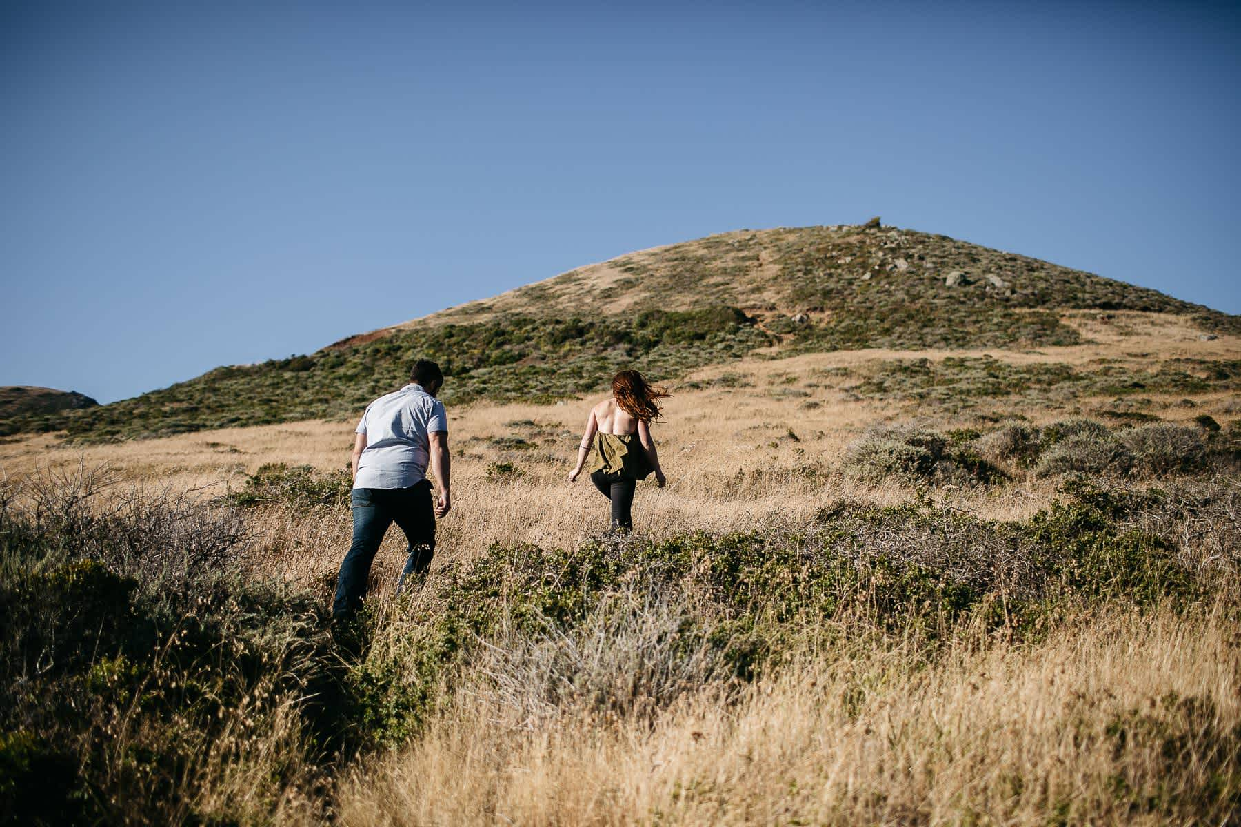 marin-headlands-rodeo-beach-lifestyle-laughter-engagement-session-1