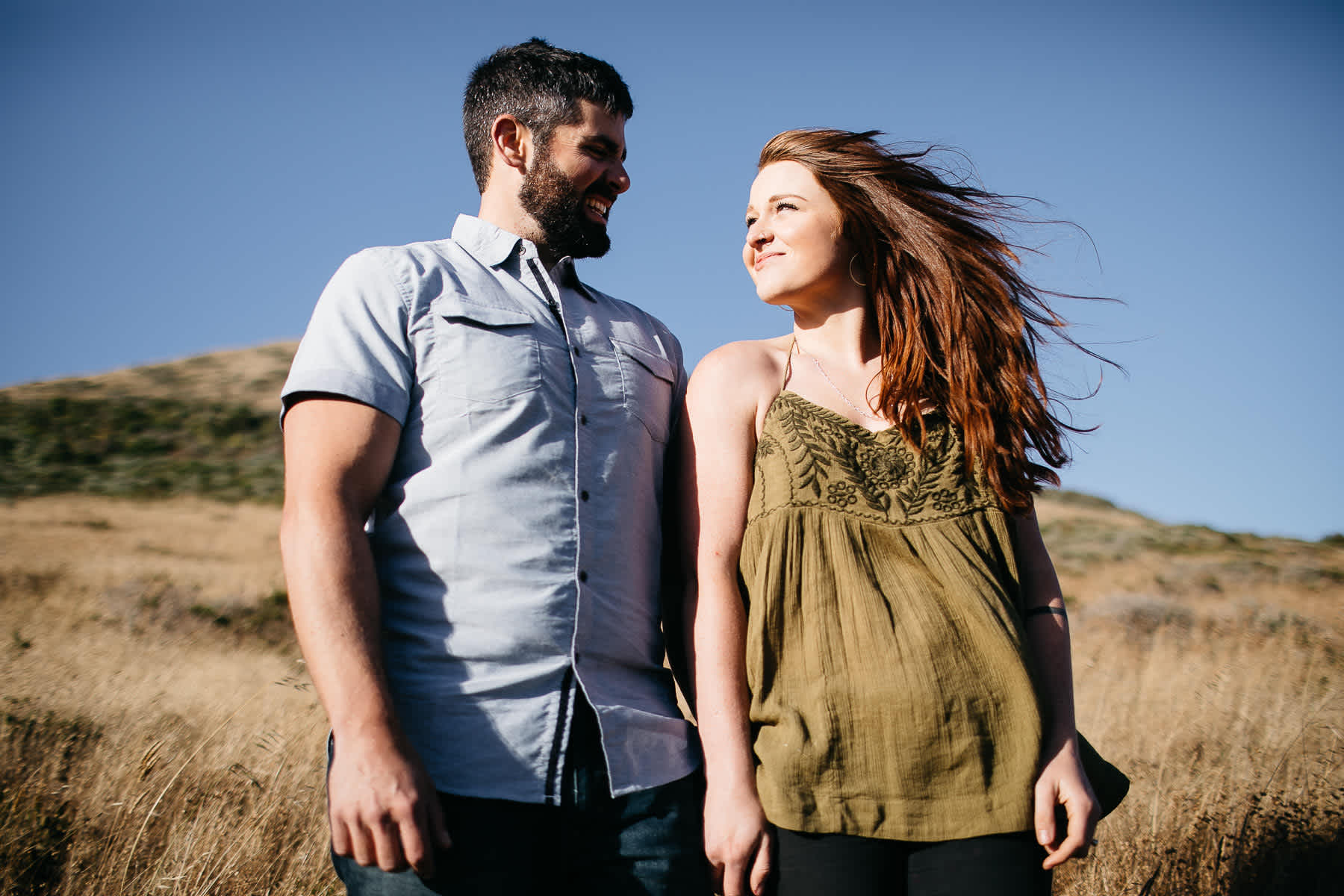 marin-headlands-rodeo-beach-lifestyle-laughter-engagement-session-16