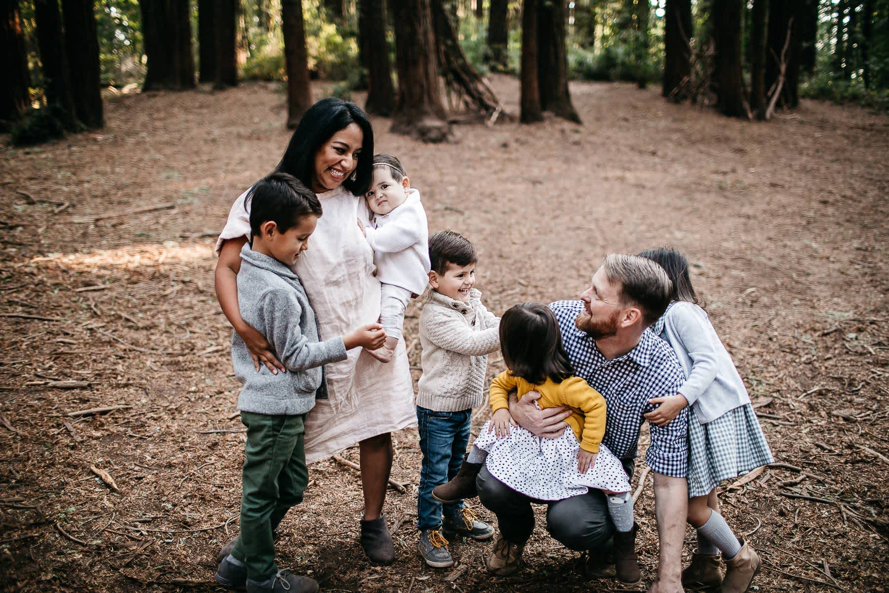 oakland-redwoods-dreamy-big-family-lifestyle-session-16