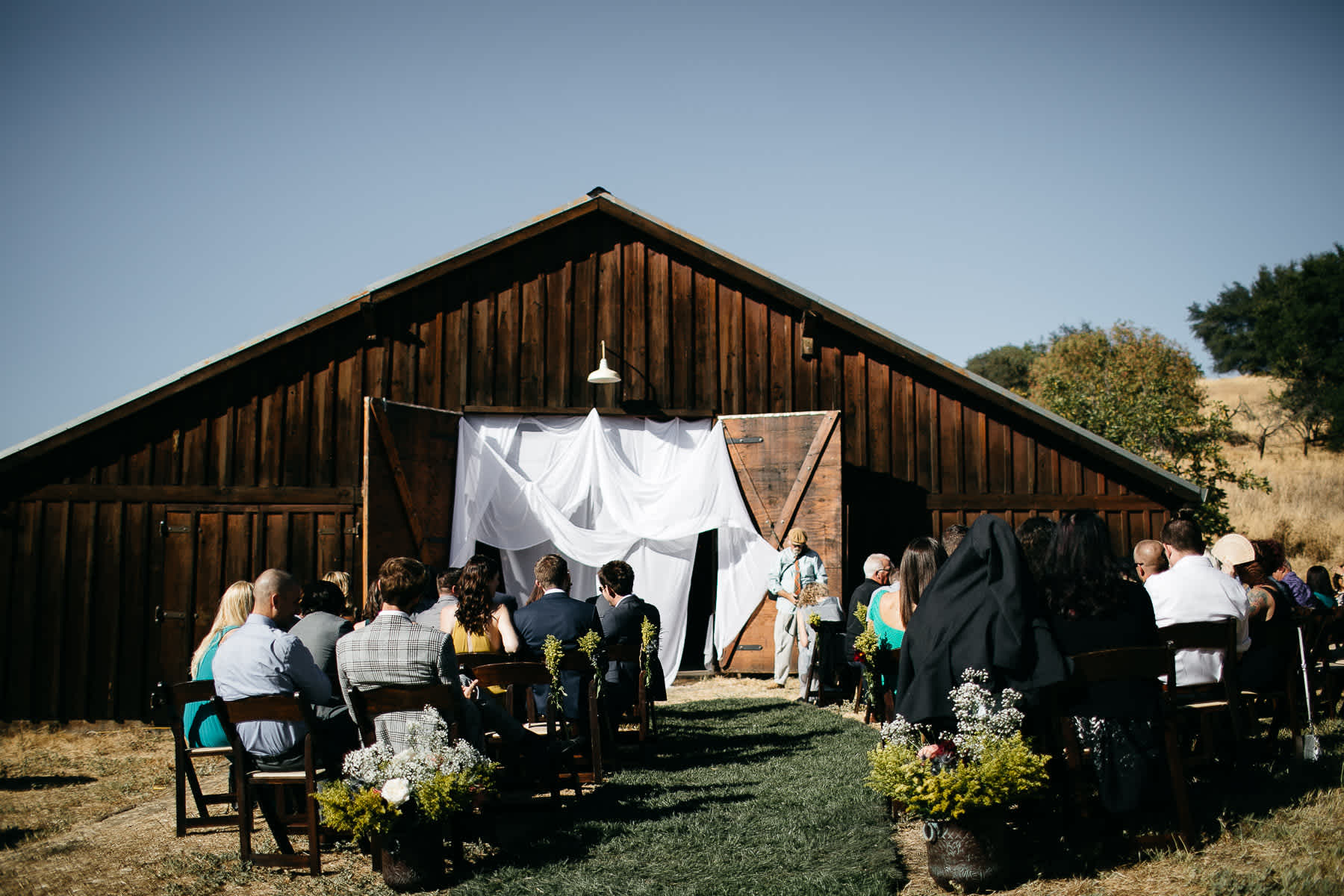 vacaville-ca-summer-hillside-wedding-19