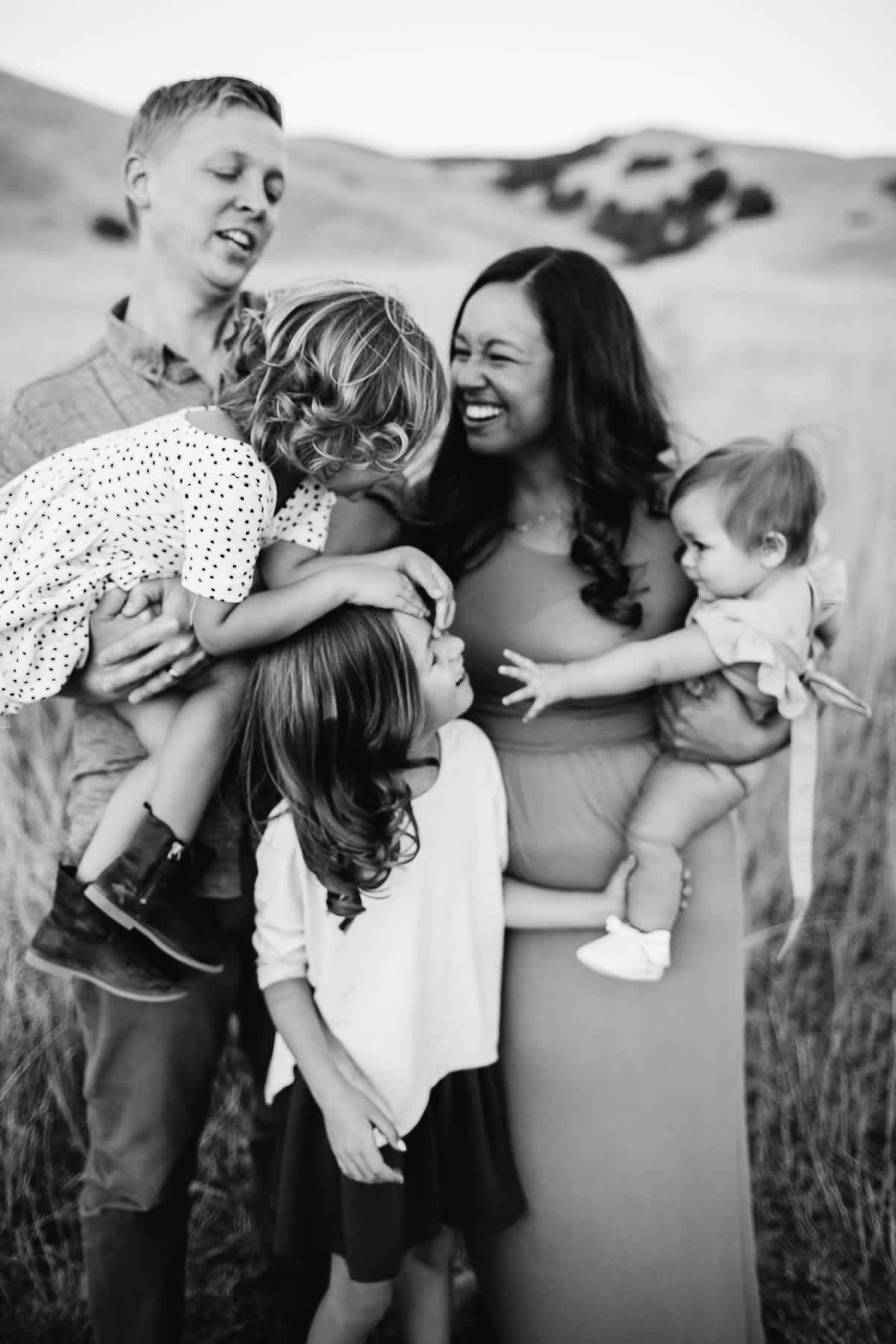 salt-lake-city-family-lifestyle-phtpographer-golden-field-46