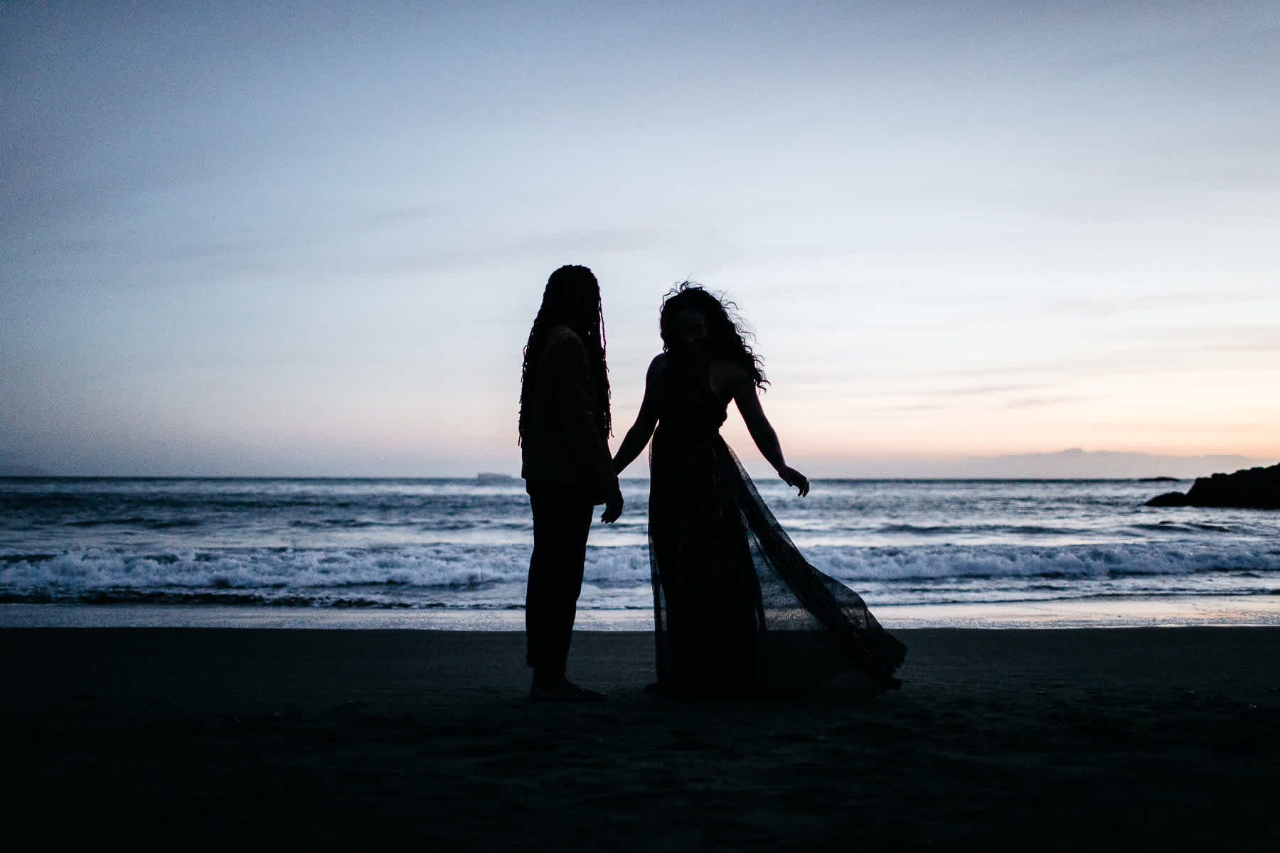 muir-beach-ca-spring-lifestyle-engagement-session-60
