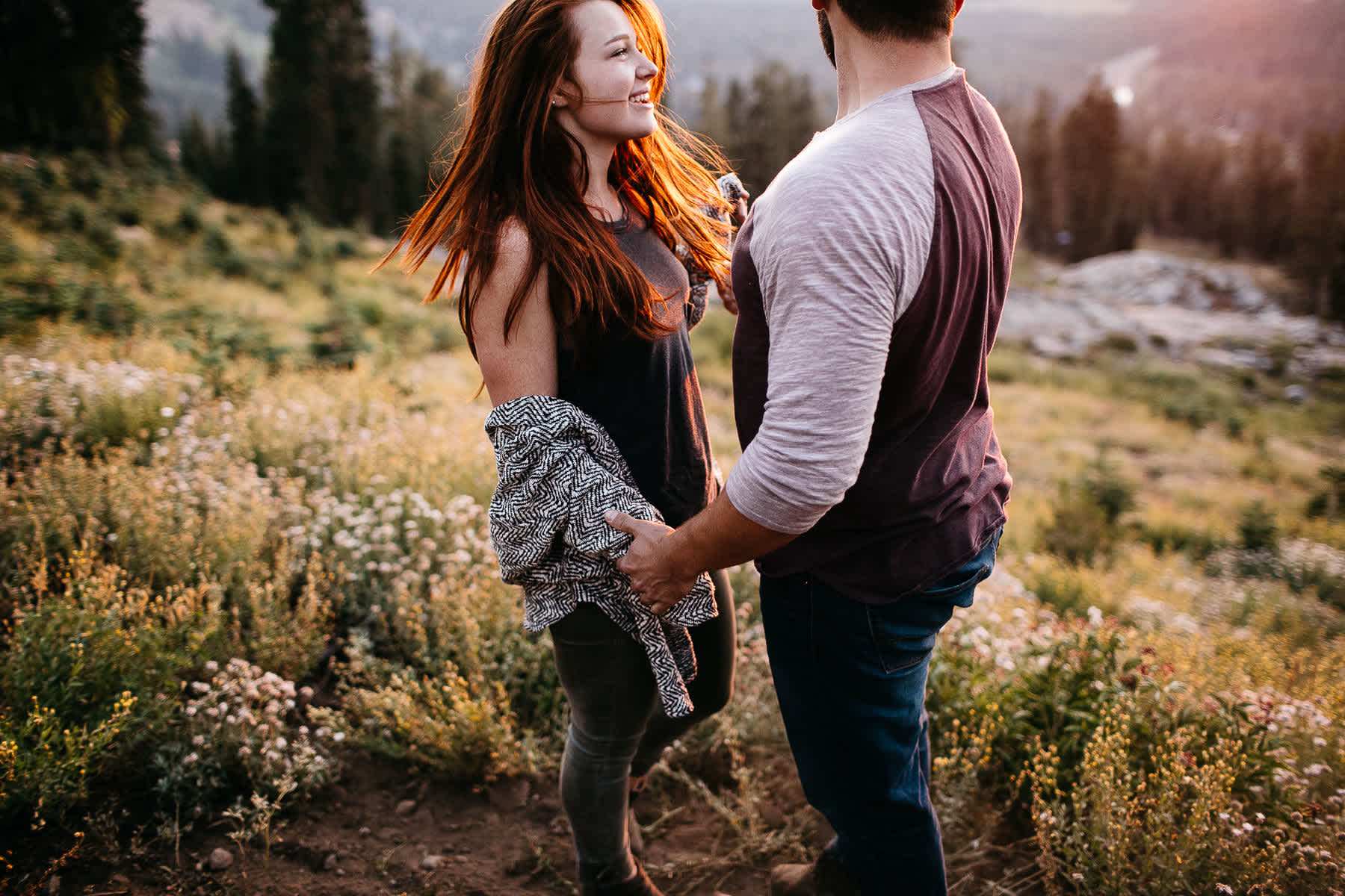 lake-tahoe-forest-donner-sunset-couple-session-23