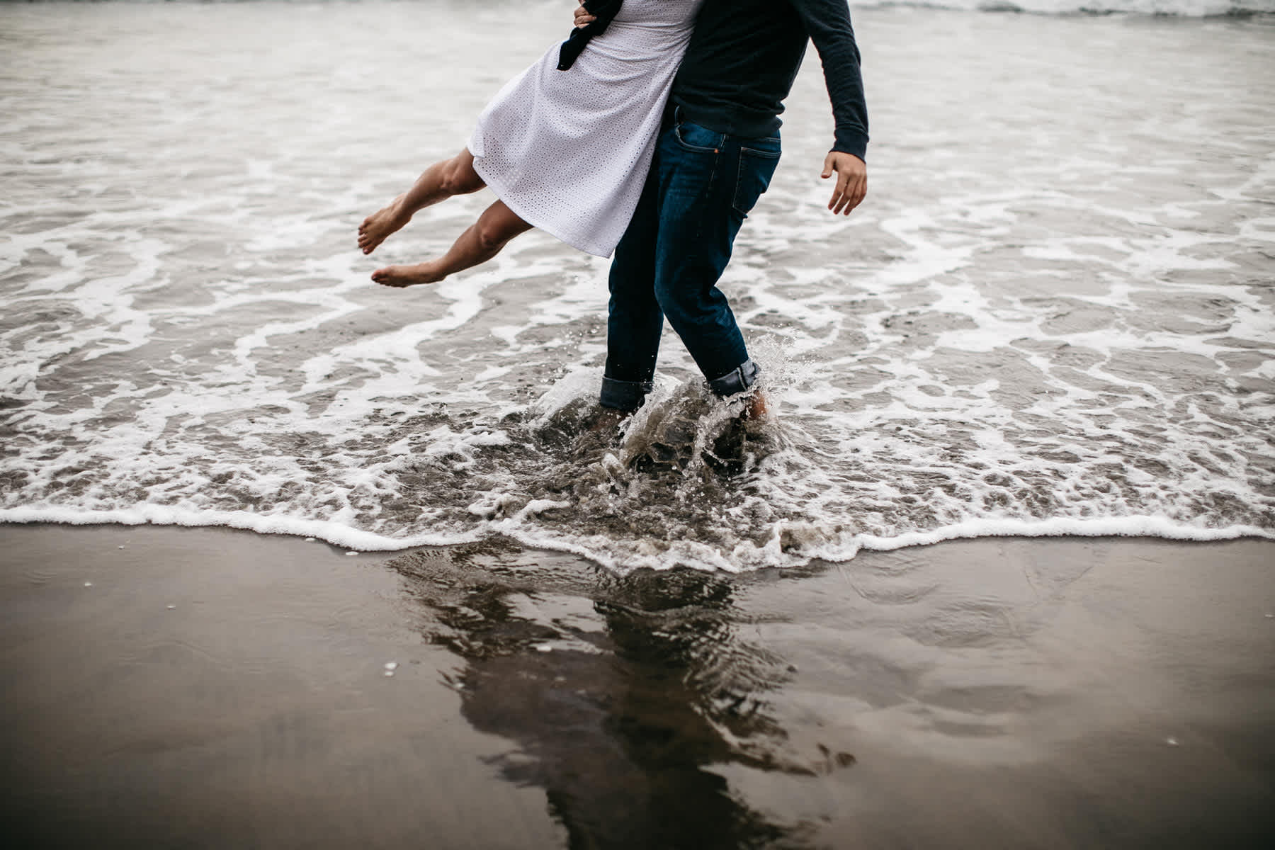 fort-funston-foggy-fun-beach-water-engagement-session-54