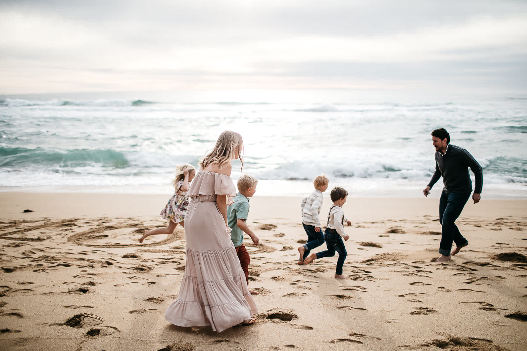 half-moon-bay-ca-sunset-family-lifestyle-session-golden-light-2