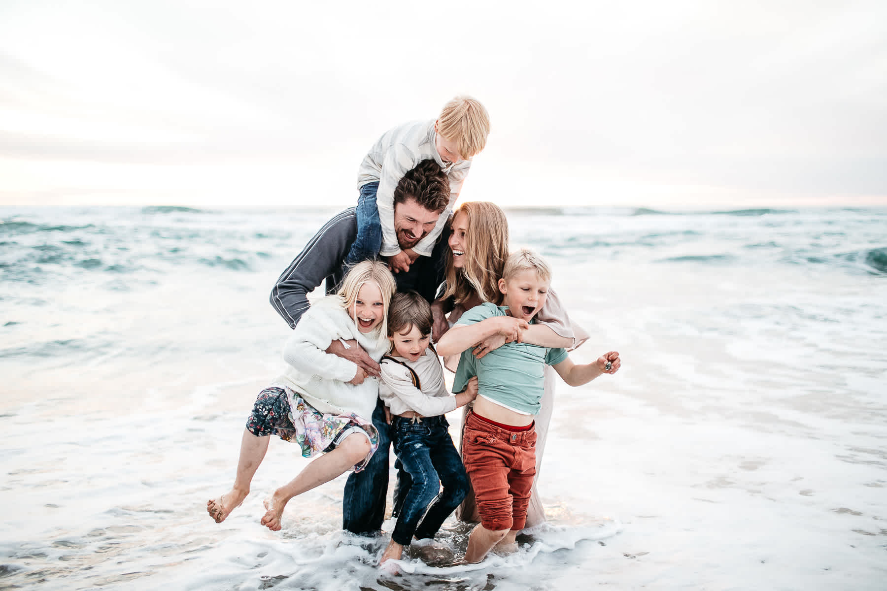 half-moon-bay-ca-sunset-family-lifestyle-session-golden-light-38