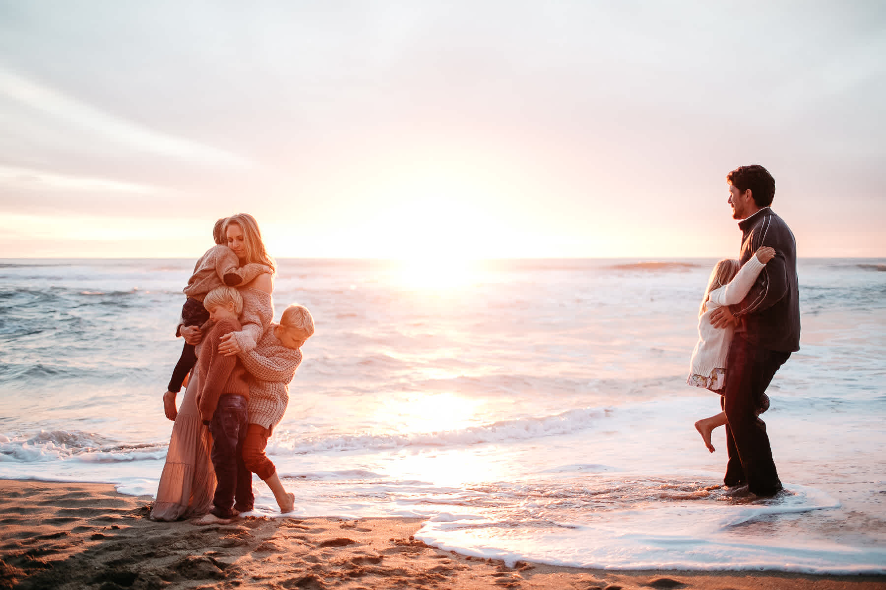 half-moon-bay-ca-sunset-family-lifestyle-session-golden-light-52