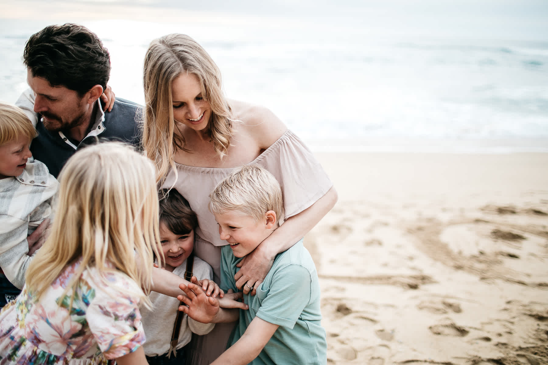 half-moon-bay-ca-sunset-family-lifestyle-session-golden-light-7