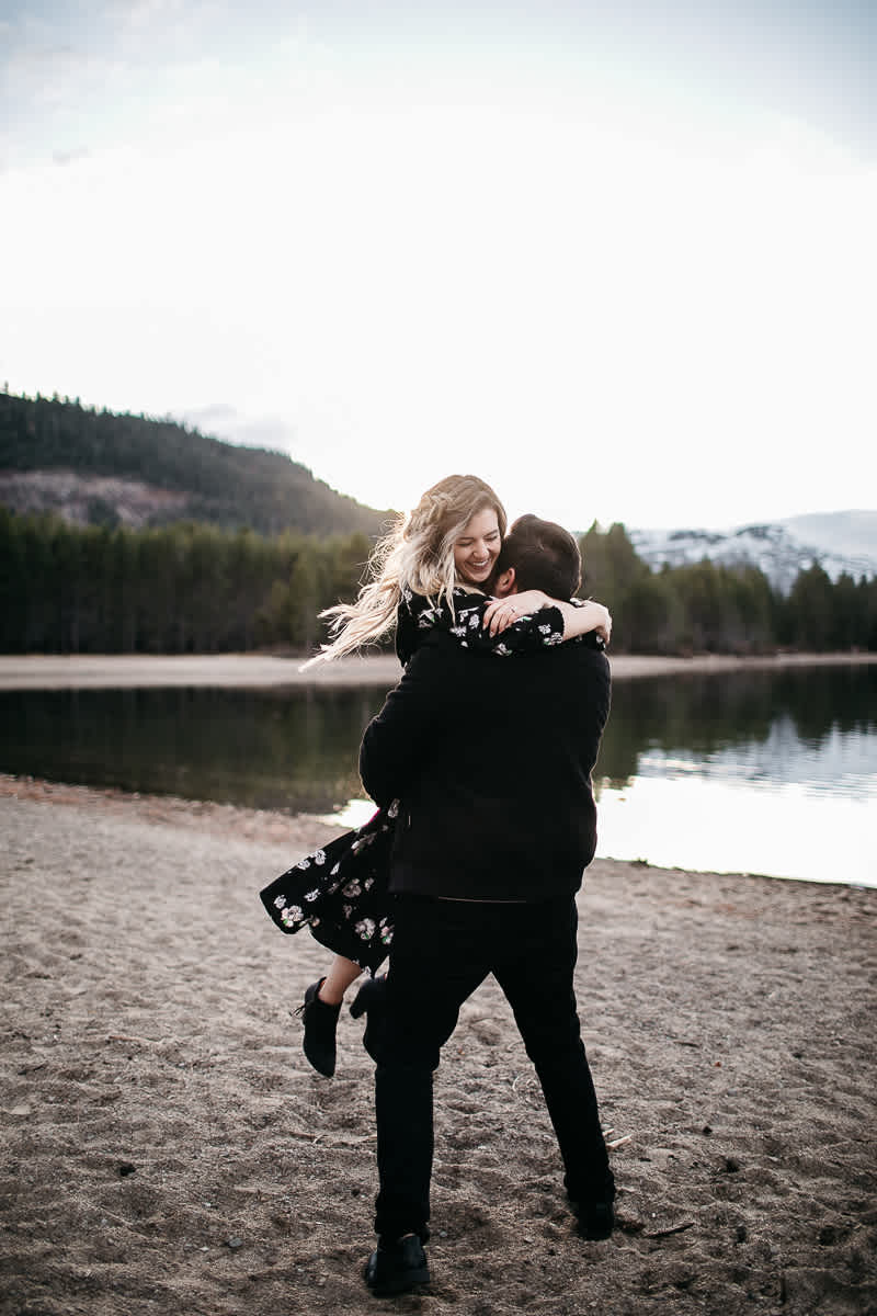 donner-lake-tahoe-national-forest-fall-engagement-session-17