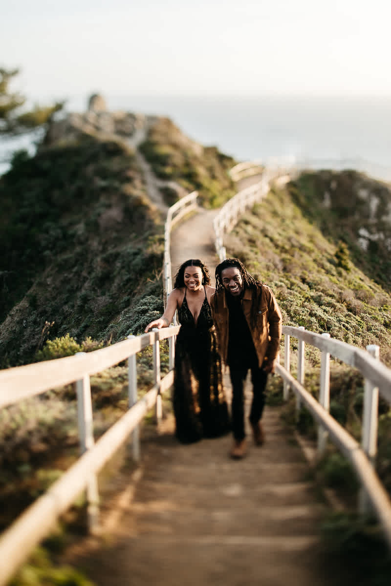 muir-beach-ca-spring-lifestyle-engagement-session-18