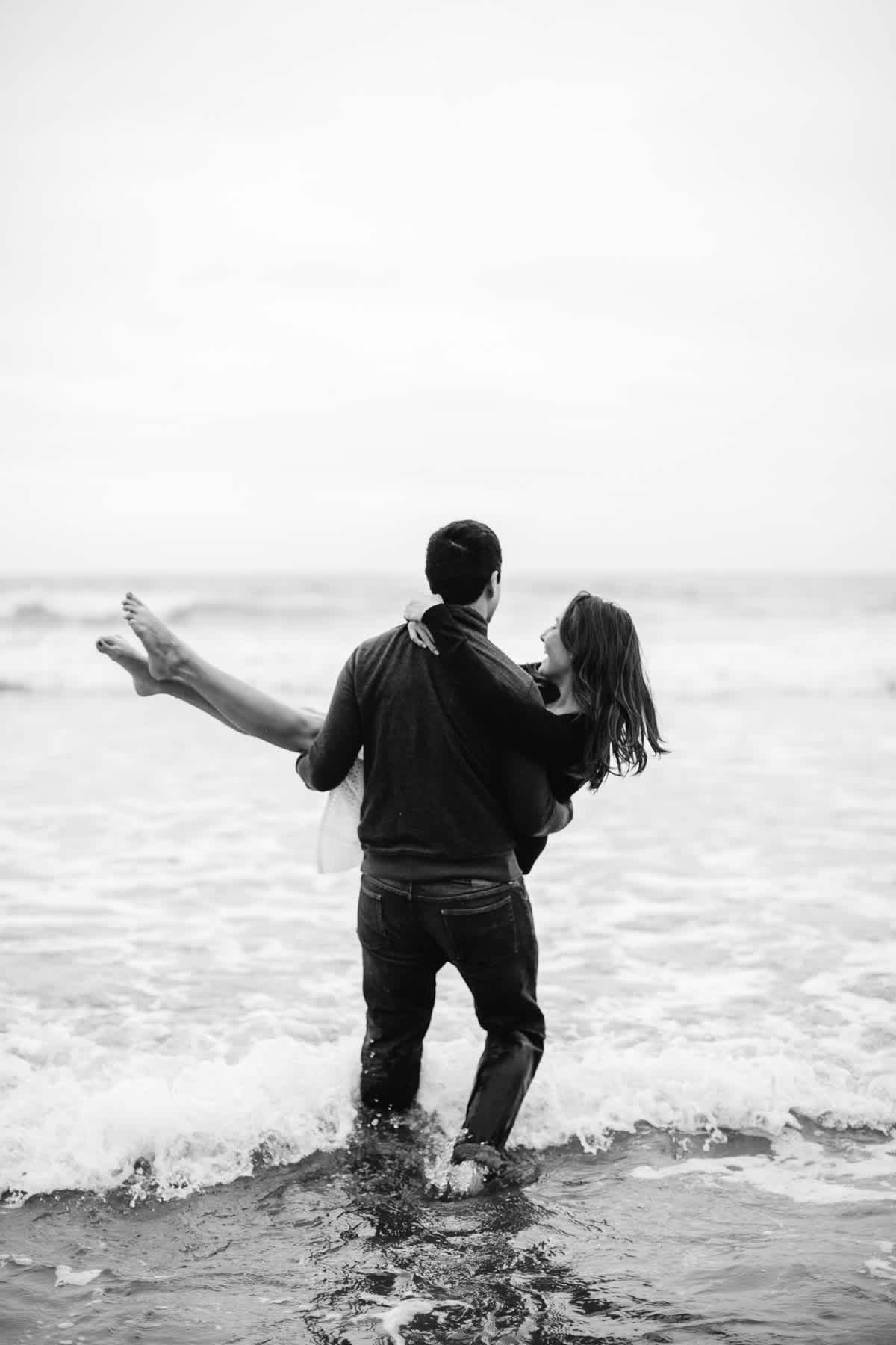 fort-funston-foggy-fun-beach-water-engagement-session-60