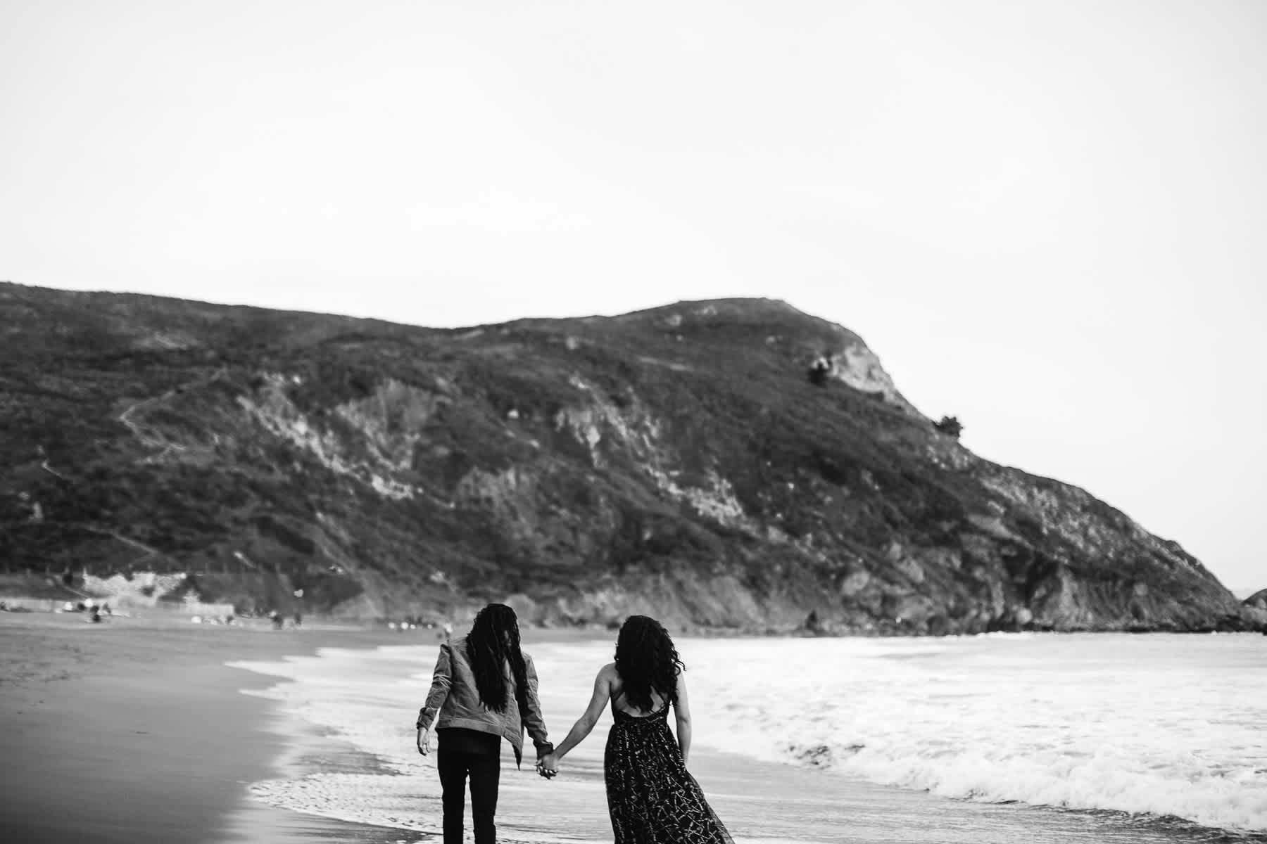 muir-beach-ca-spring-lifestyle-engagement-session-32