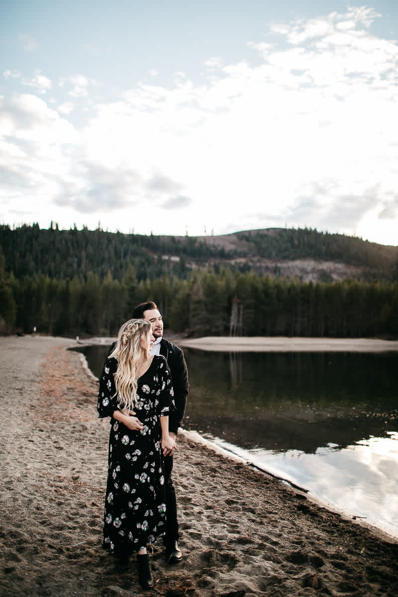 donner-lake-tahoe-national-forest-fall-engagement-session-24