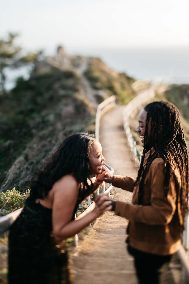 muir-beach-ca-spring-lifestyle-engagement-session-22