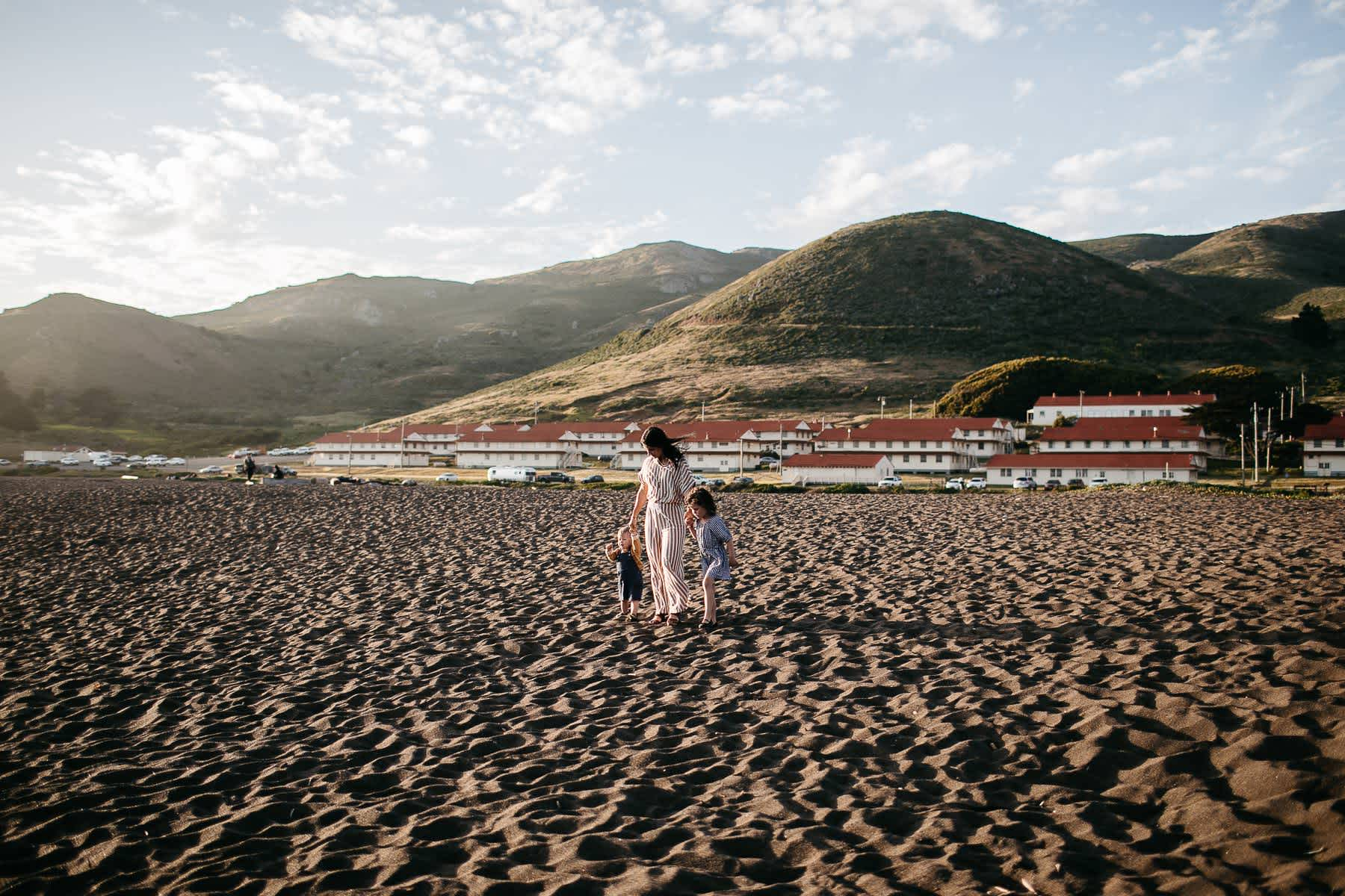 rodeo-beach-california-hills-lifestyle-family-session-27