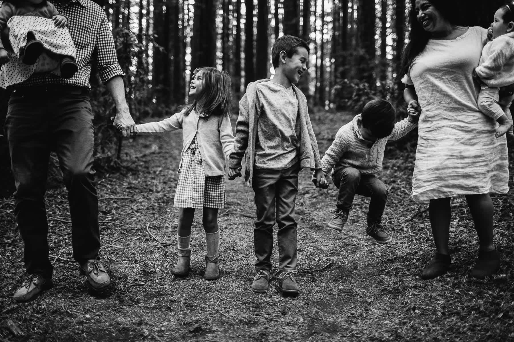 oakland-redwoods-dreamy-big-family-lifestyle-session-23