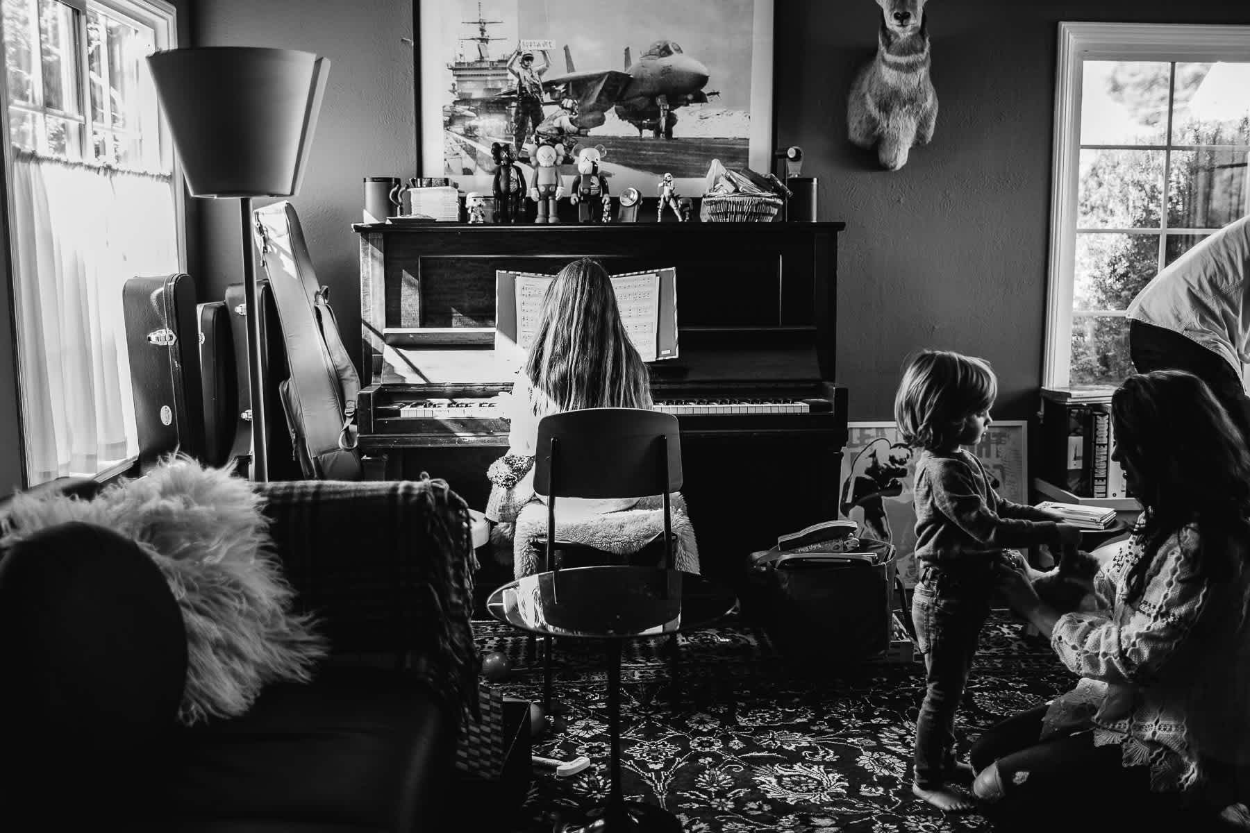 oakland-family-lifestyle-in-home-session-1