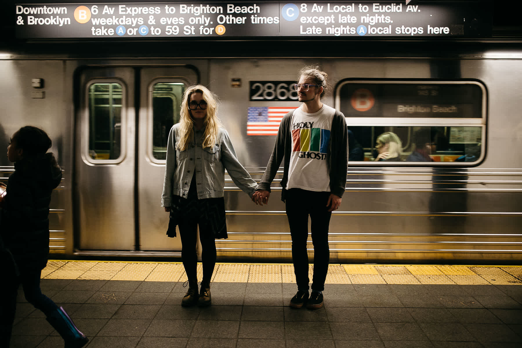 brooklyn-nyc-street-lifestyle-couple-session-12