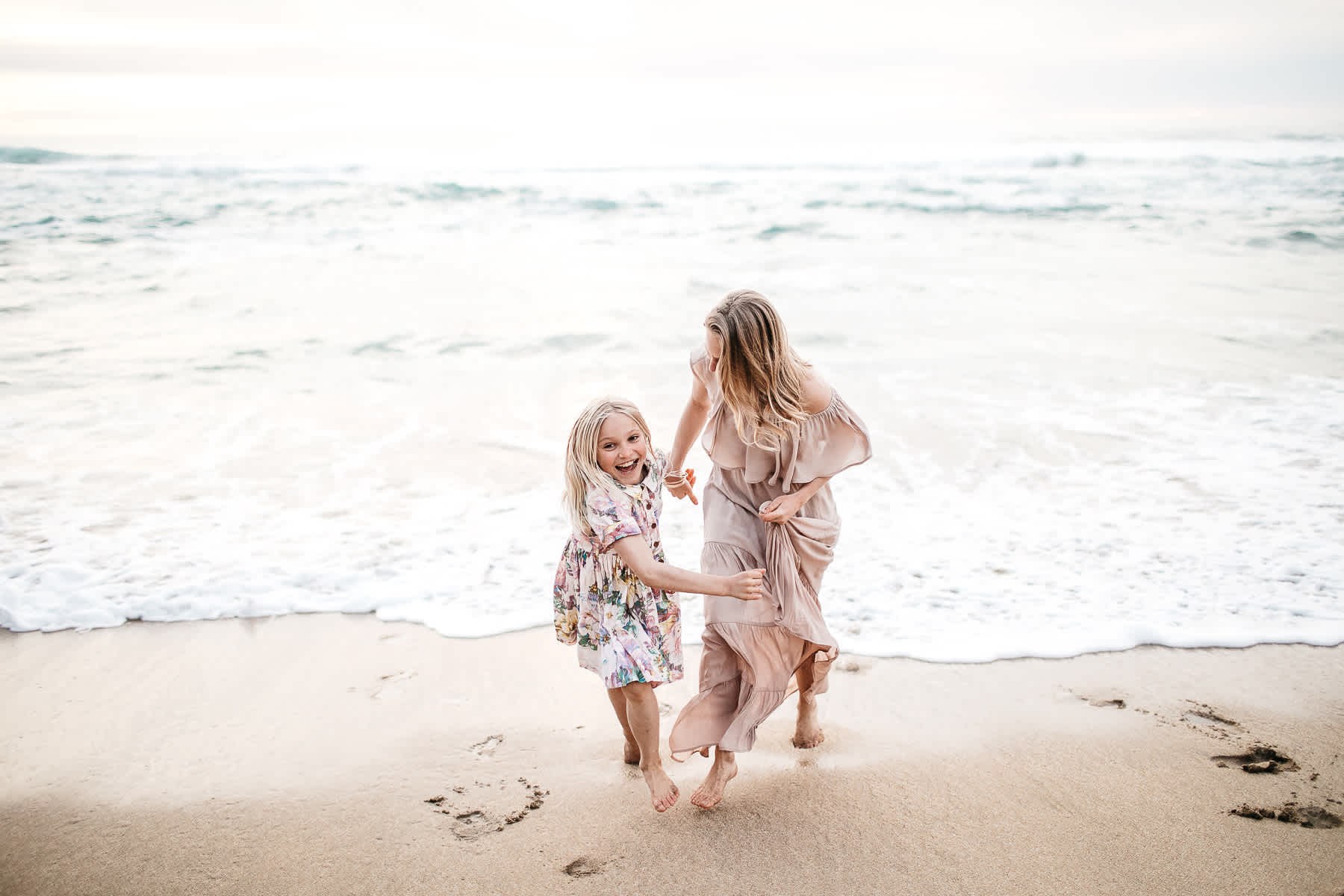 half-moon-bay-ca-sunset-family-lifestyle-session-golden-light-26