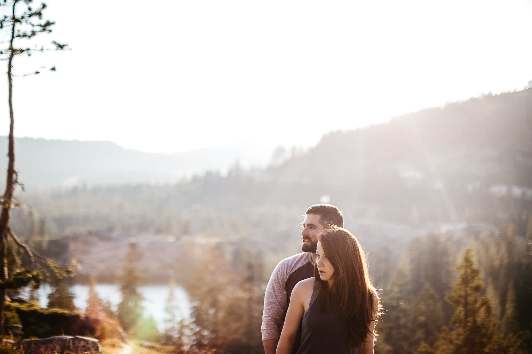 lake-tahoe-forest-donner-sunset-couple-session-5