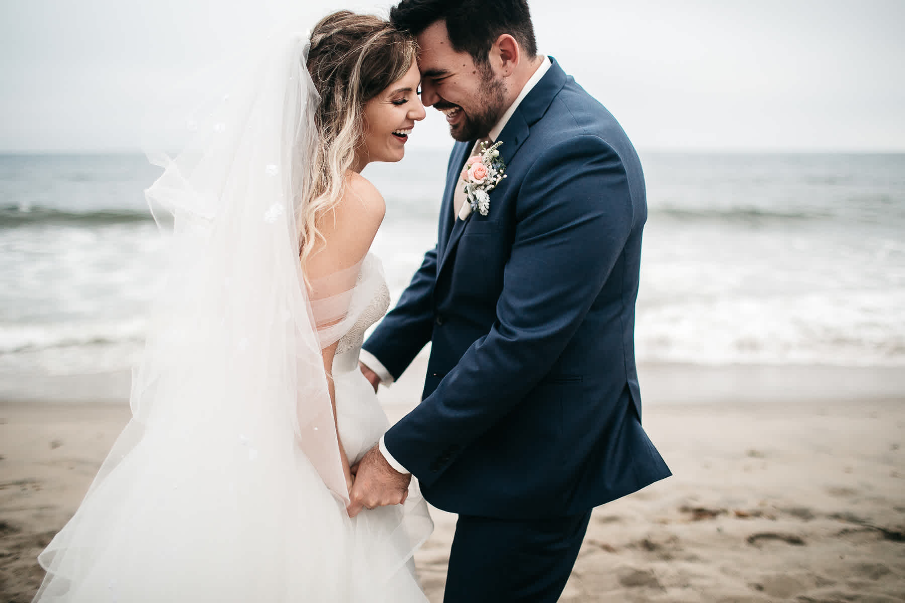 malibu-gloomy-summer-romantic-wedding-76