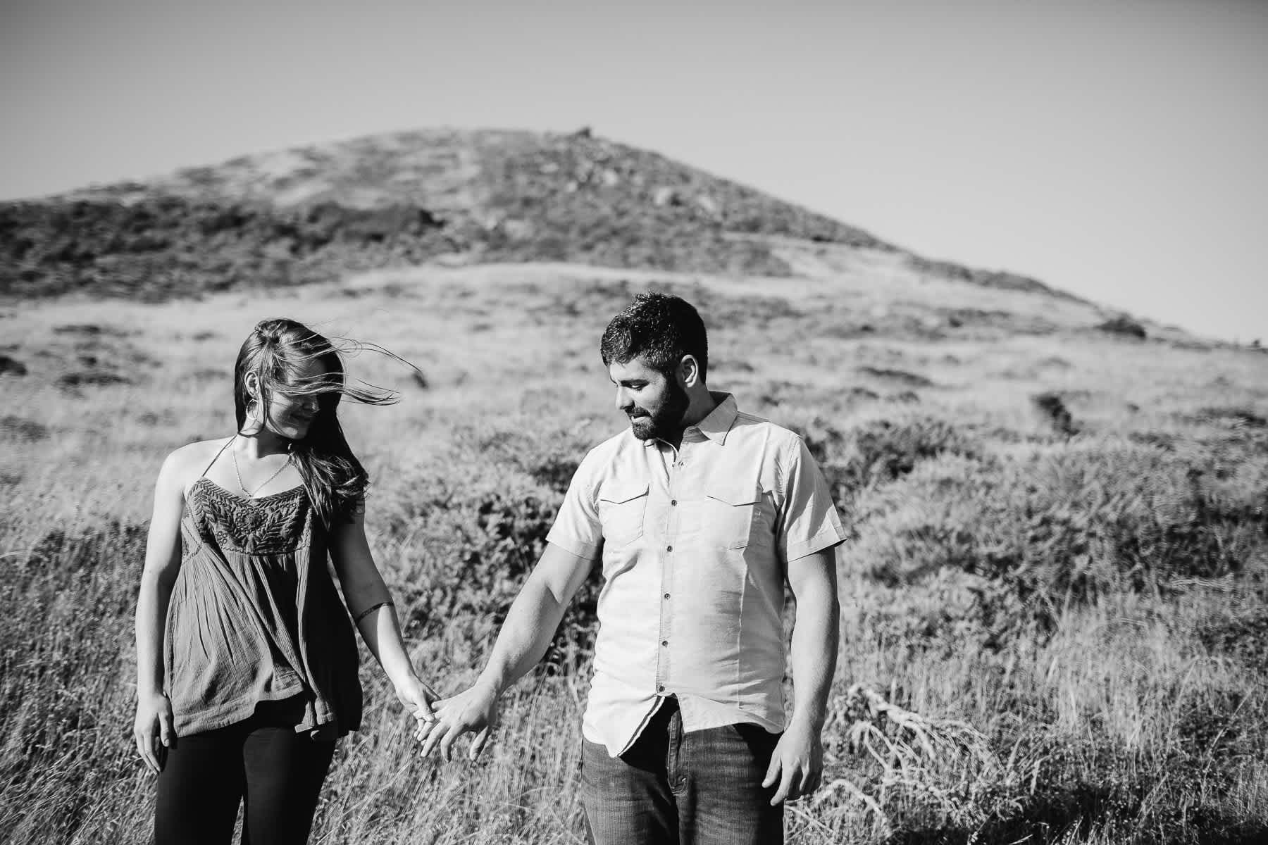 marin-headlands-rodeo-beach-lifestyle-laughter-engagement-session-3